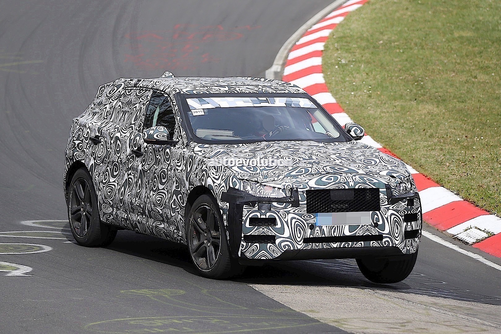2016 jaguar f type suv spied lapping the n rburgring autoevolution. Black Bedroom Furniture Sets. Home Design Ideas