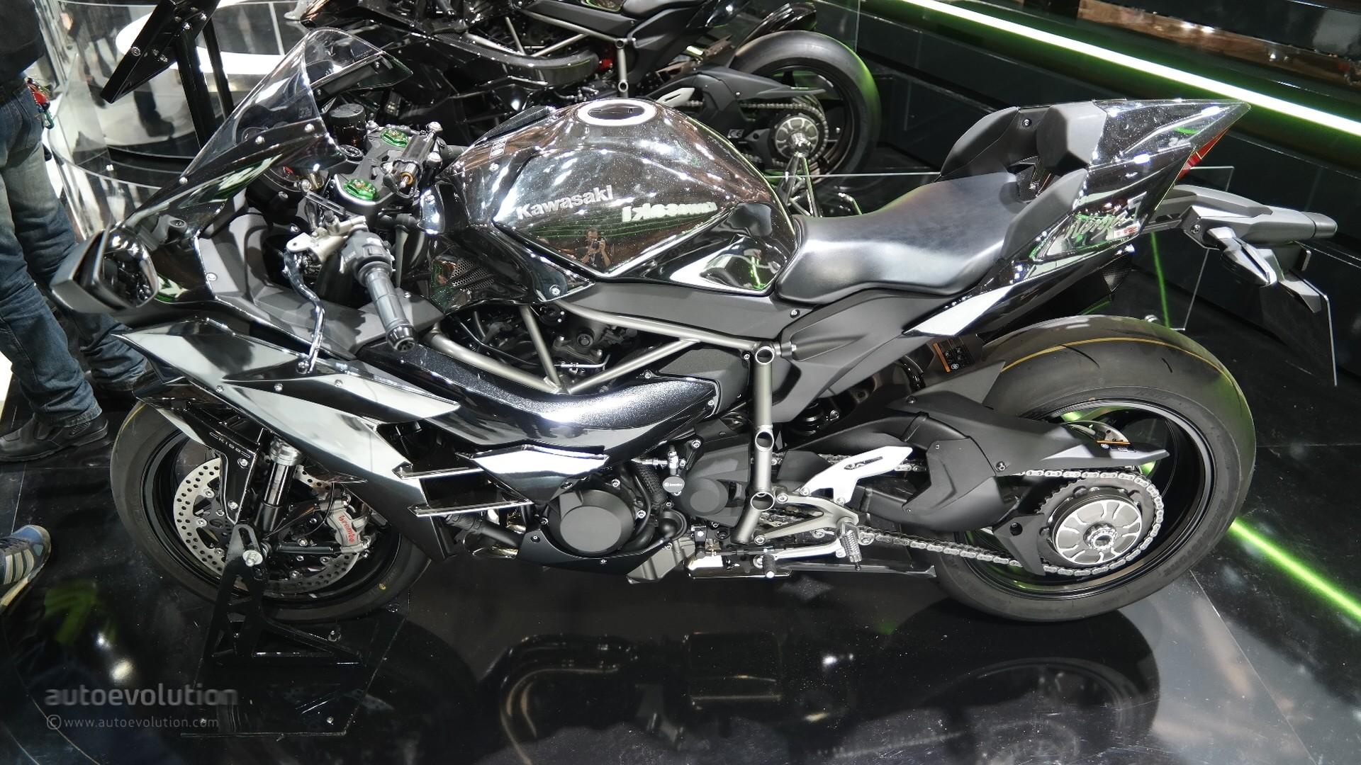 Kawasaki Ninja H Seen From Up Close Priced Live Photos