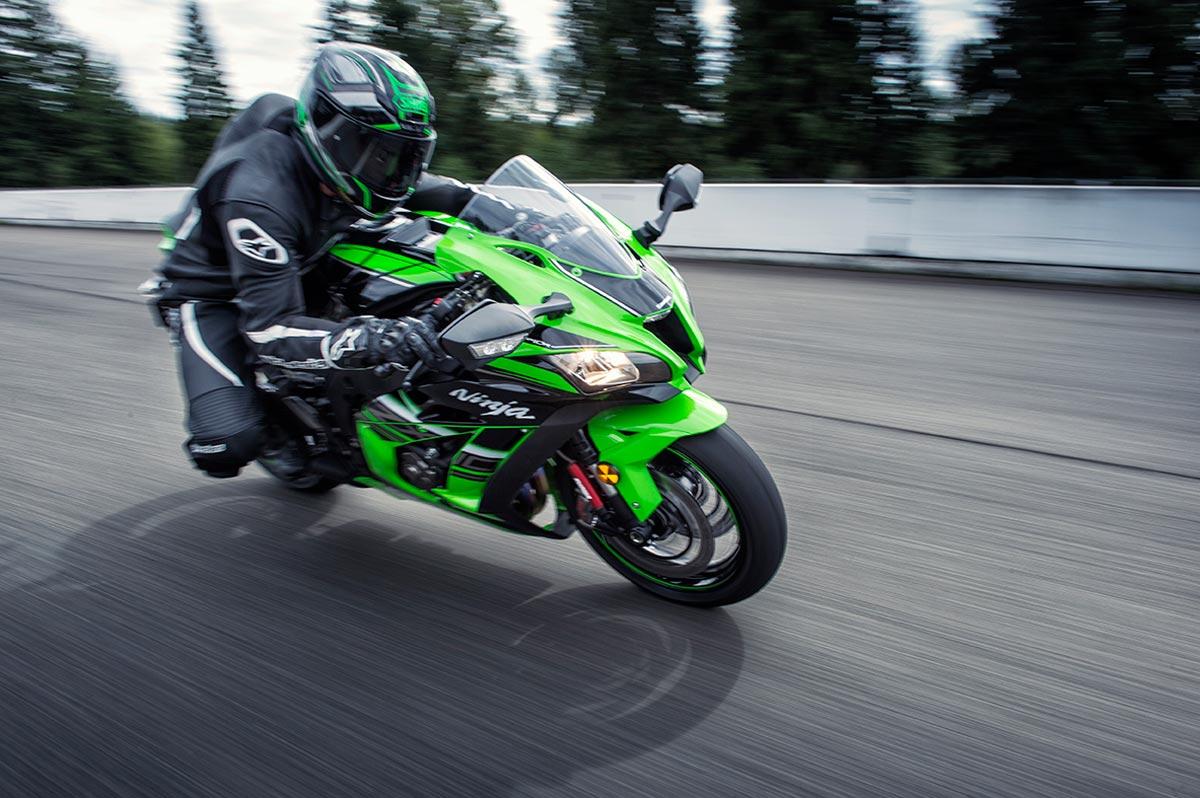 Kawasaki Ninja H2 Price >> 2016 Kawasaki Ninja ZX-10R Says Hi - autoevolution