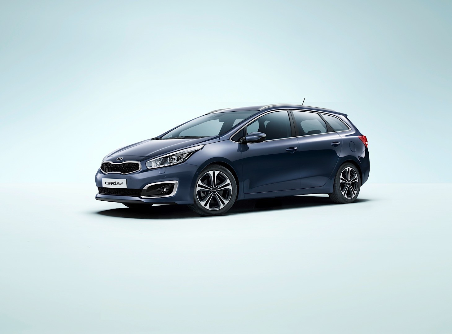 2016 kia cee 39 d brings subtle visual upgrades new engines and sporty gt line autoevolution. Black Bedroom Furniture Sets. Home Design Ideas