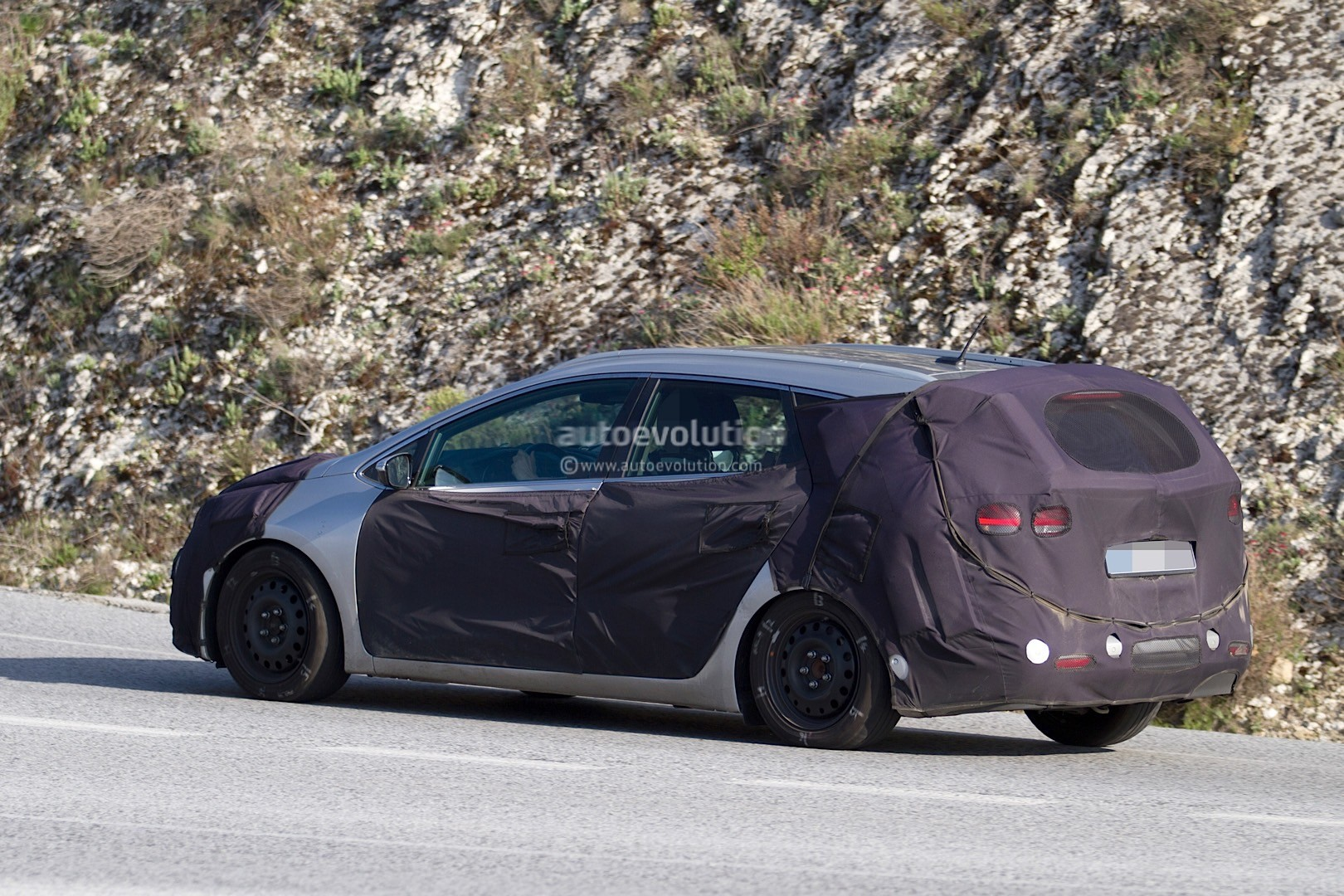 2016 kia cee 39 d sportswagon spied again during testing. Black Bedroom Furniture Sets. Home Design Ideas
