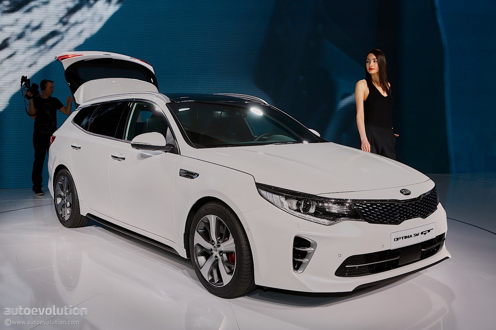 2016 Kia Optima Sportswagon Lands In Geneva Autoevolution