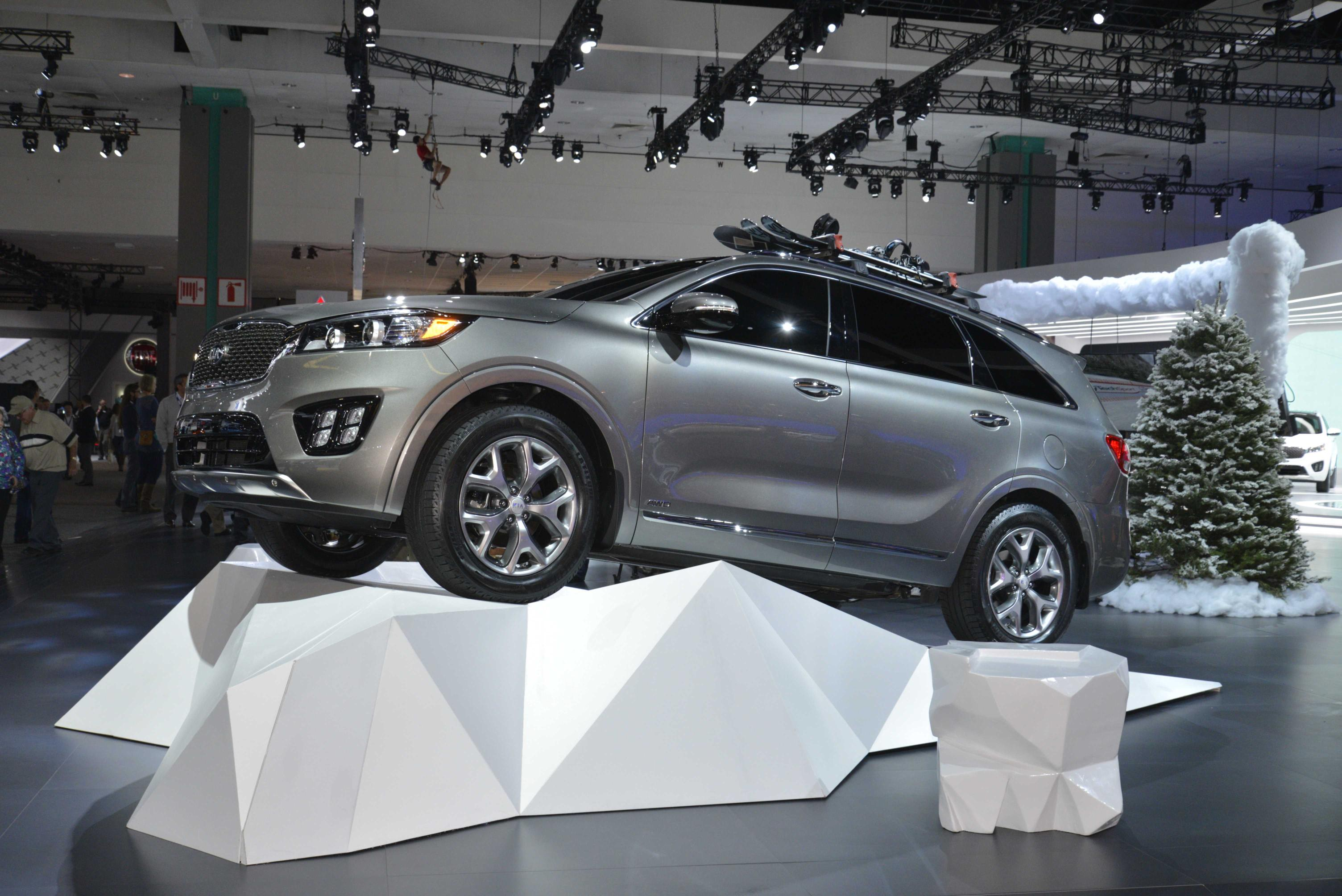 all auto sportage hr players new at turbo sx l a american kia angeles debut awd show north english makes los