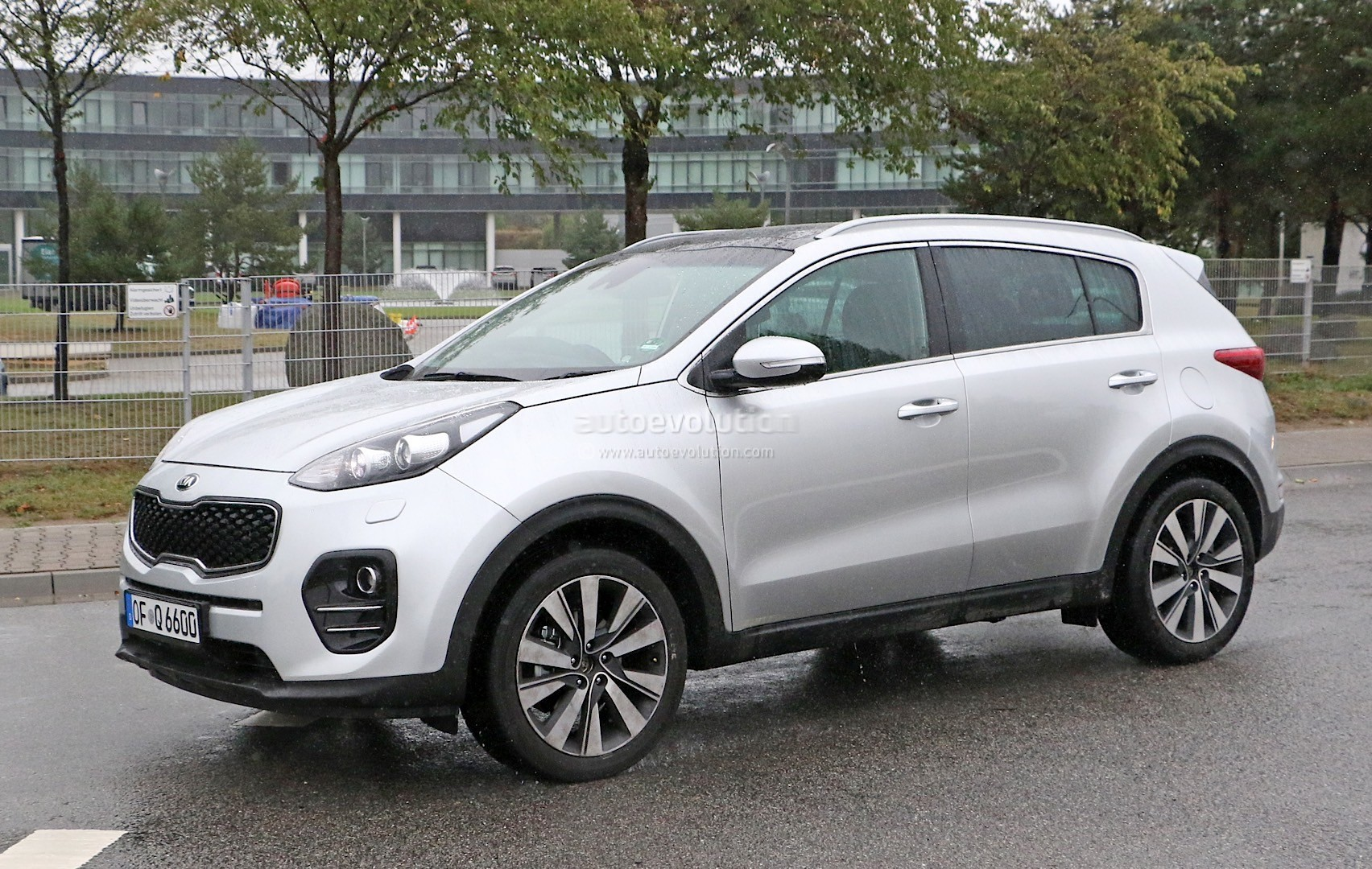 2016 kia sportage spotted camouflage free looks even. Black Bedroom Furniture Sets. Home Design Ideas
