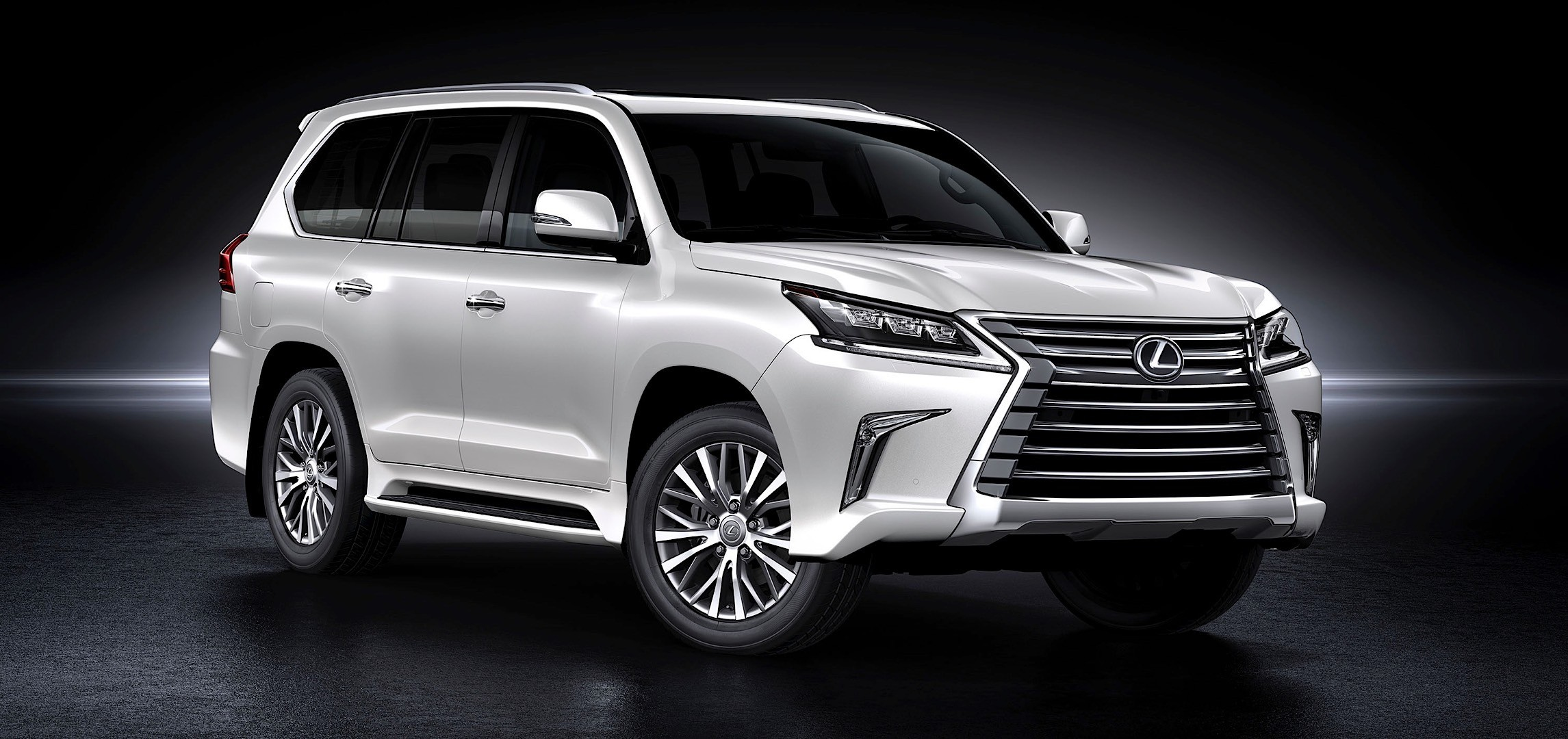 7 Seater Suv 2017 >> 2016 Lexus LX 570 Facelift Shows Up at Pebble Beach Concours d'Elegance - autoevolution