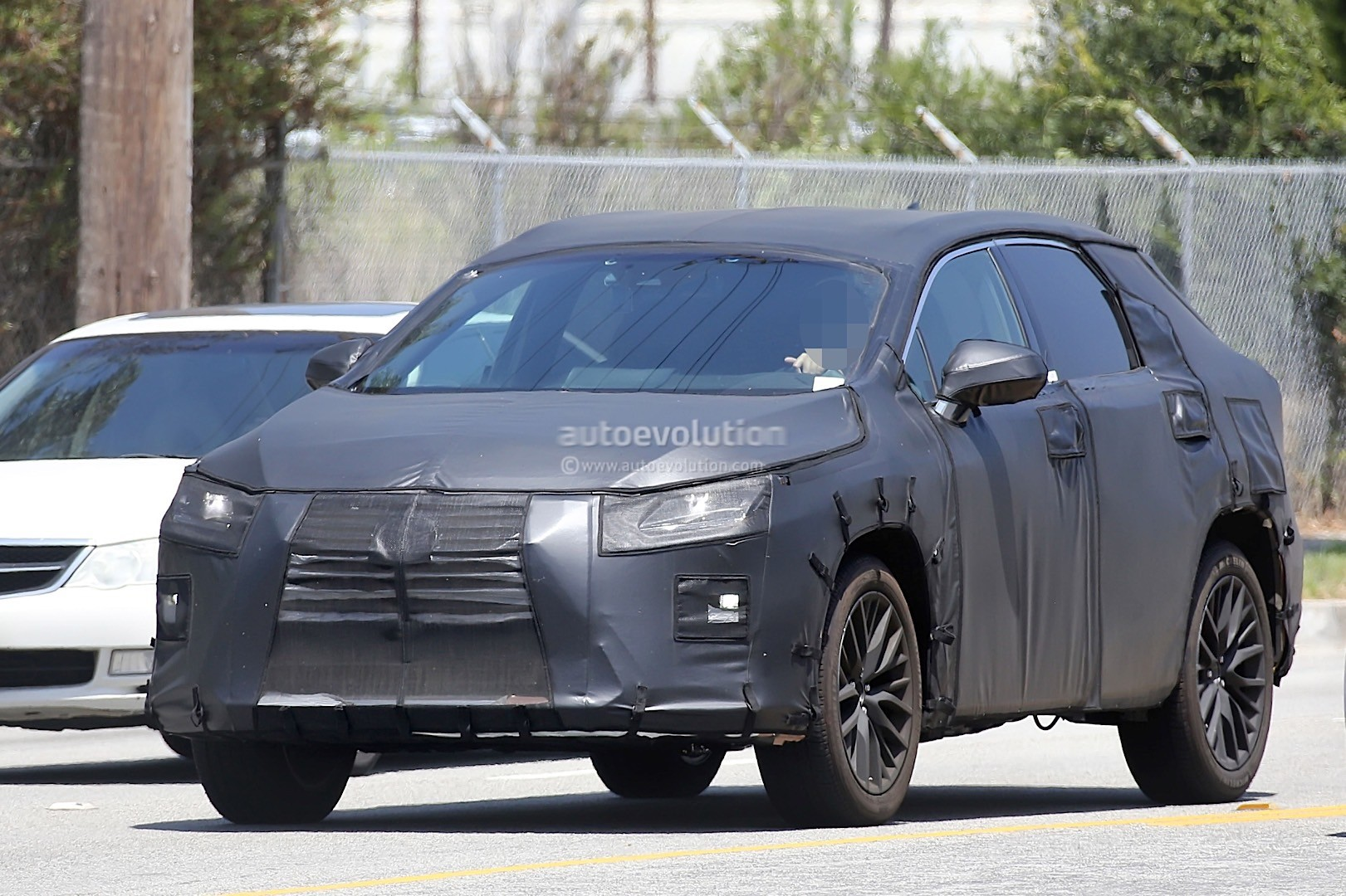 7 Seater Suv 2017 >> 2016 Lexus RX Seven-Seater Spied, Looks Like Lexus Listen ...
