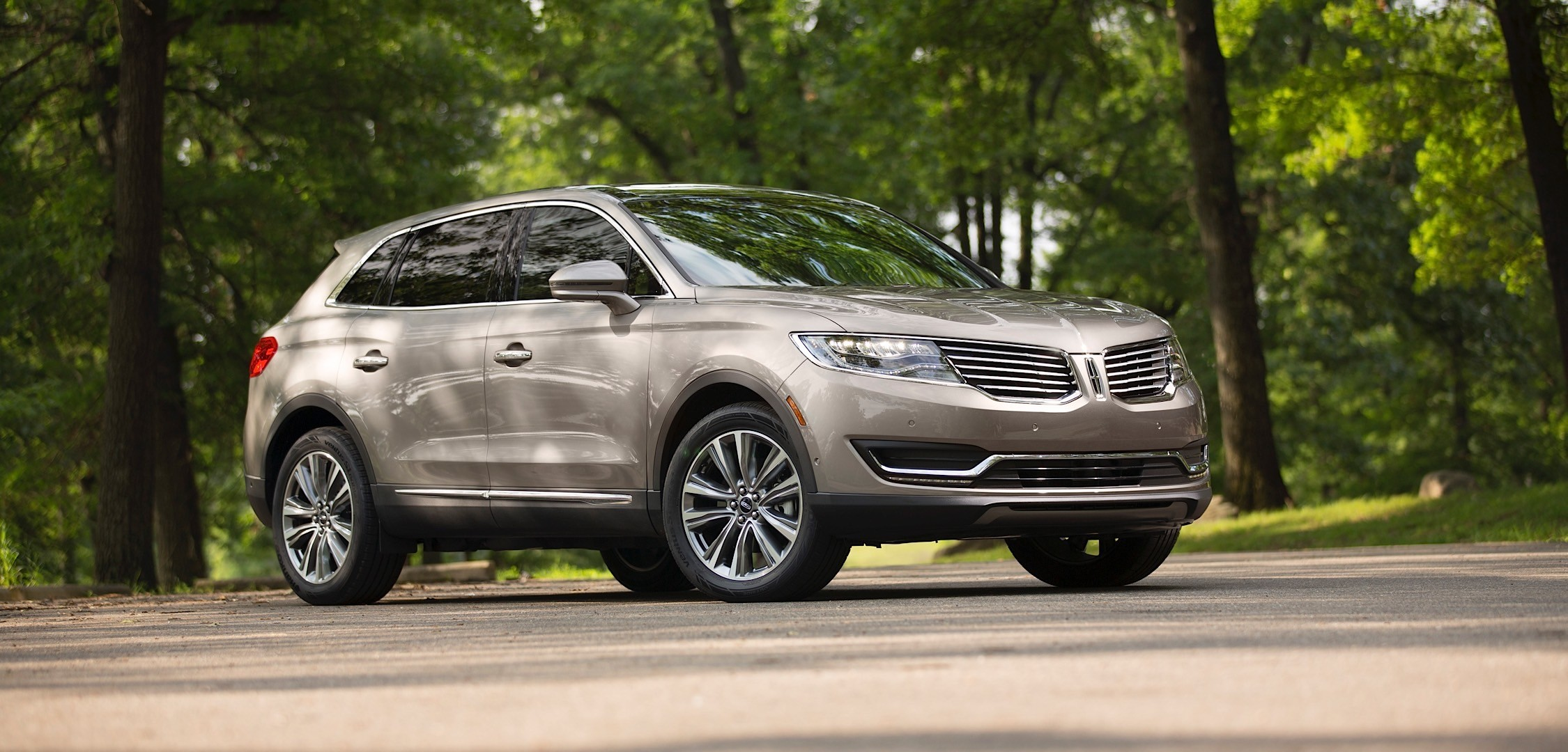 2016 Lincoln MKX Crossover Receives Revel Audio System ...