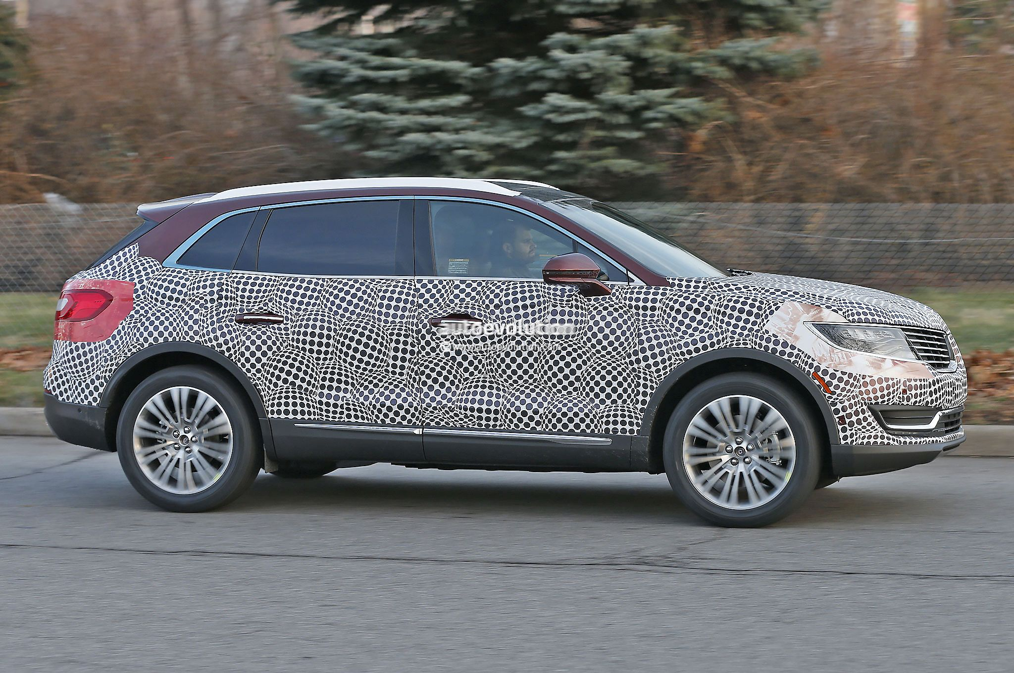2016 lincoln mkx spied in production ready guise autoevolution. Black Bedroom Furniture Sets. Home Design Ideas