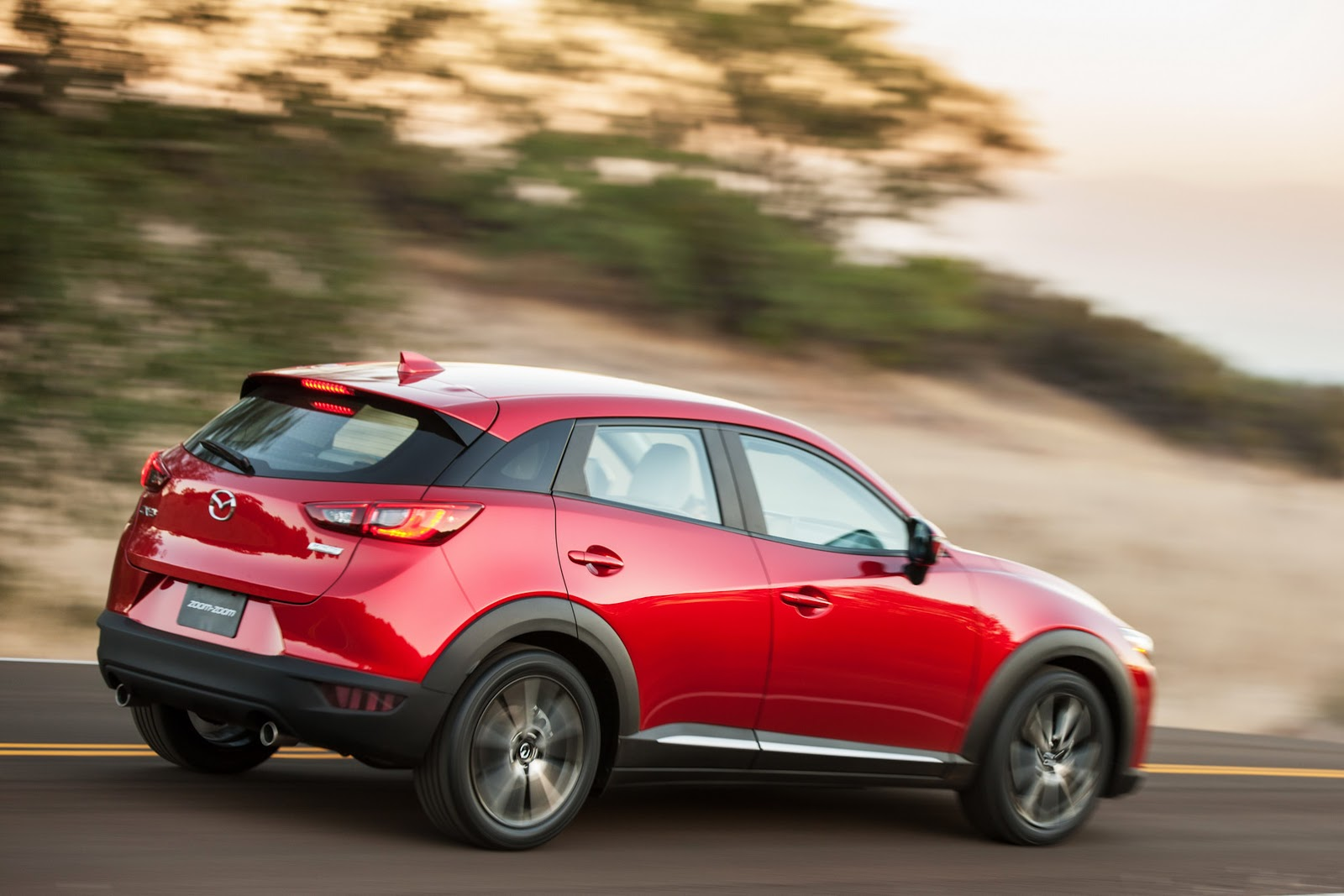 2016 mazda cx 3 crossover looks great from every angle video autoevolution. Black Bedroom Furniture Sets. Home Design Ideas