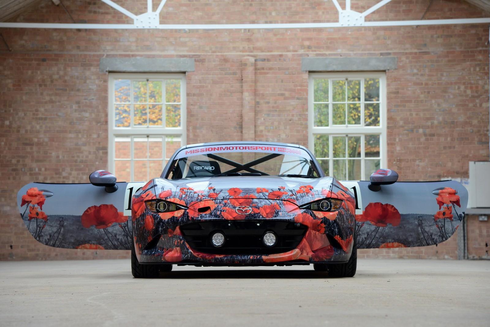 Miata with poppy art car livery isn t just for show autoevolution - 2016 Mazda Mx 5 Miata With Poppy Art Car Livery