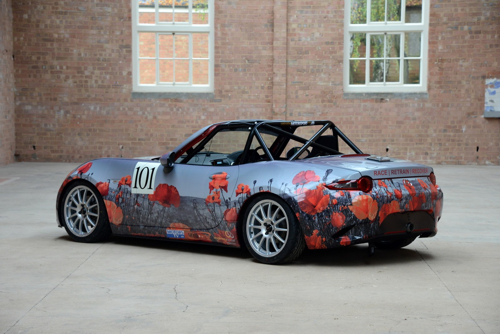 Miata With Poppy Art Car Livery Isn T Just For Show Autoevolution