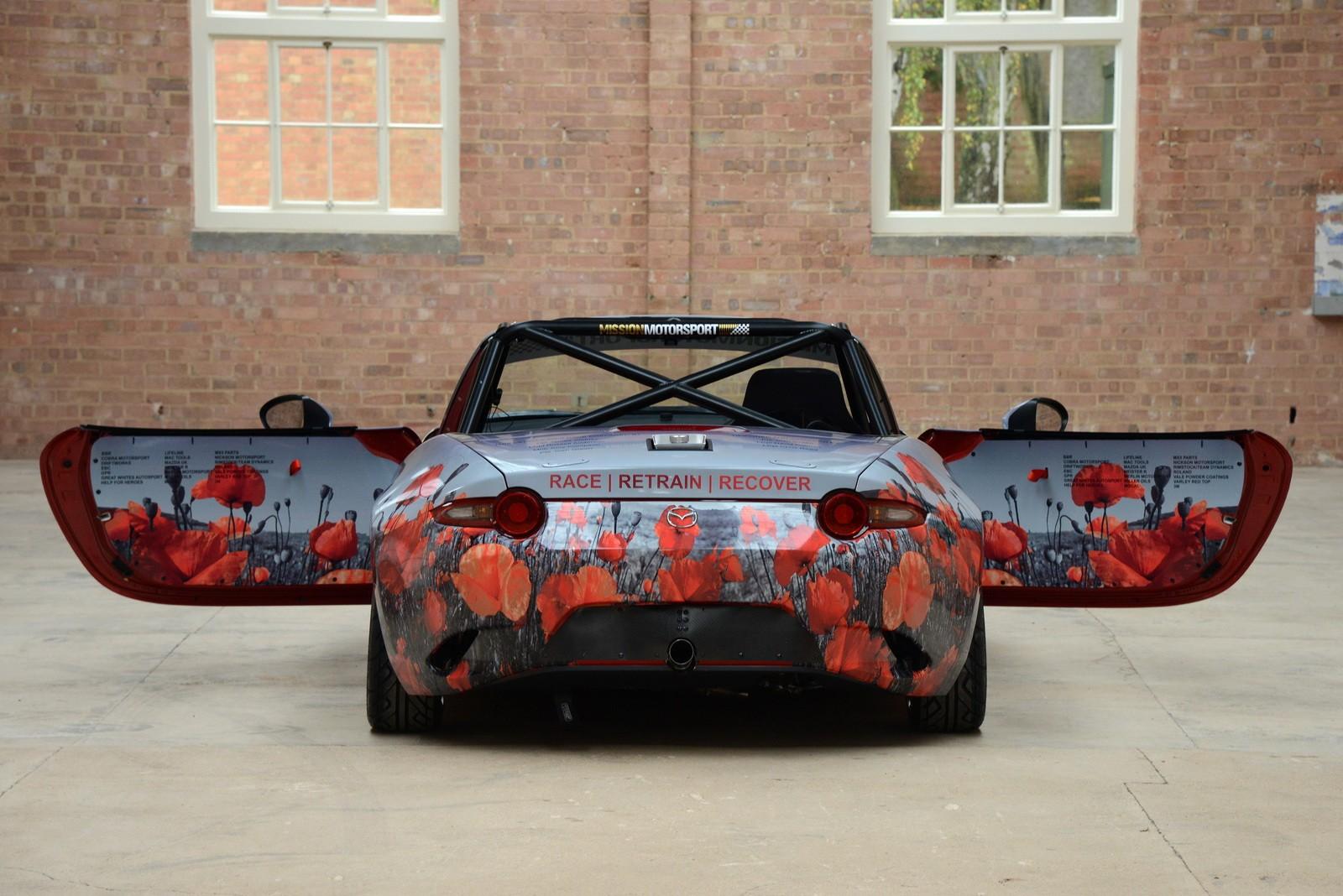 Miata with poppy art car livery isn t just for show autoevolution - Filename 2016 Mazda Mx 5 Miata With Poppy Art Car Livery Isn T Just For Show Photo Gallery_7 Jpg