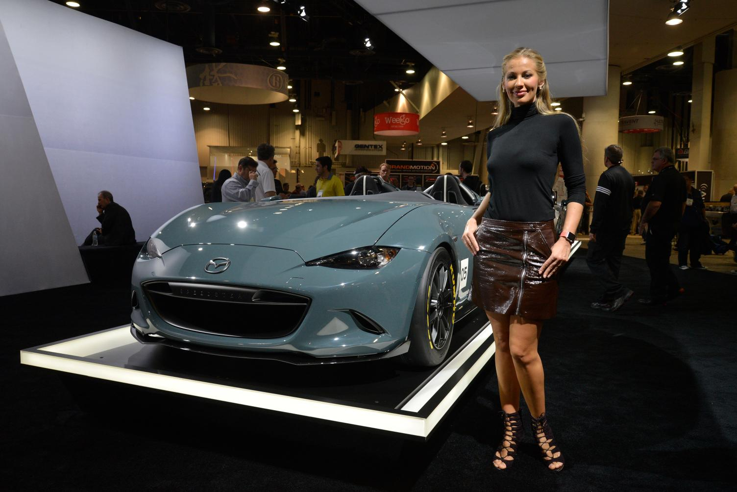 https://s1.cdn.autoevolution.com/images/news/gallery/2016-mazda-mx-5-speedster-and-spyder-concepts-stun-sema-live-photos_4.jpg