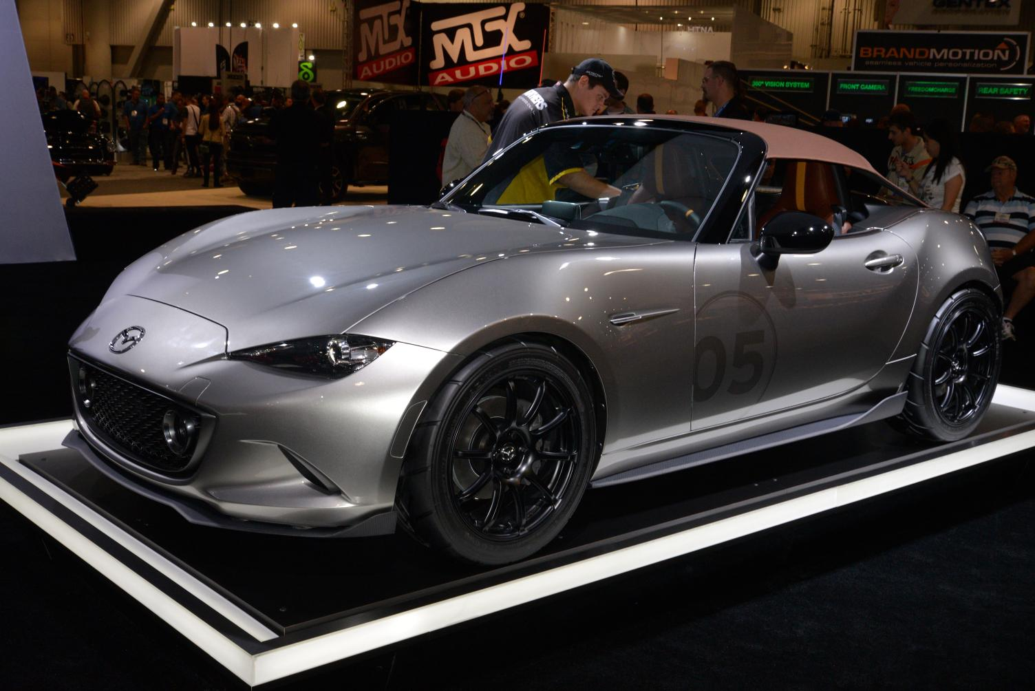 2016 mazda mx 5 speedster and spyder concepts stun sema live photos video autoevolution. Black Bedroom Furniture Sets. Home Design Ideas
