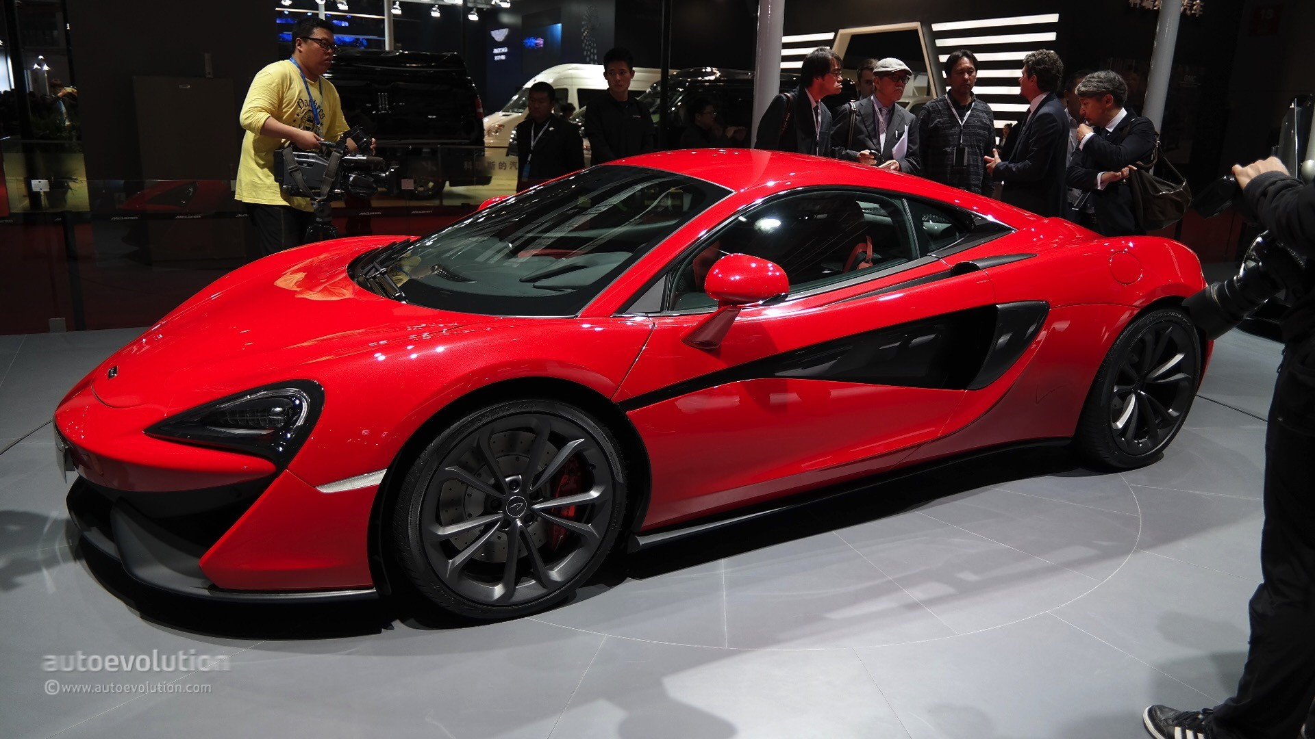 2016 mclaren 540c launched in shanghai as the cheapest model ever made autoevolution. Black Bedroom Furniture Sets. Home Design Ideas
