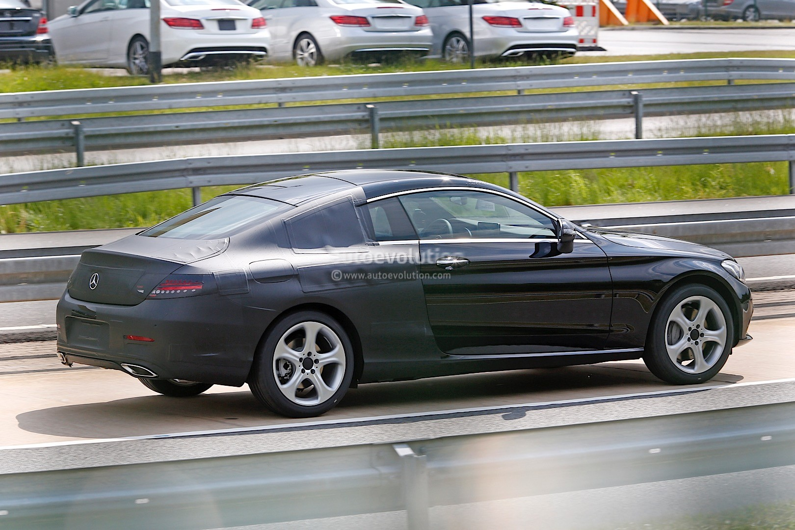 2016 mercedes benz c class coupe c205 spied sporting less camouflage autoevolution. Black Bedroom Furniture Sets. Home Design Ideas