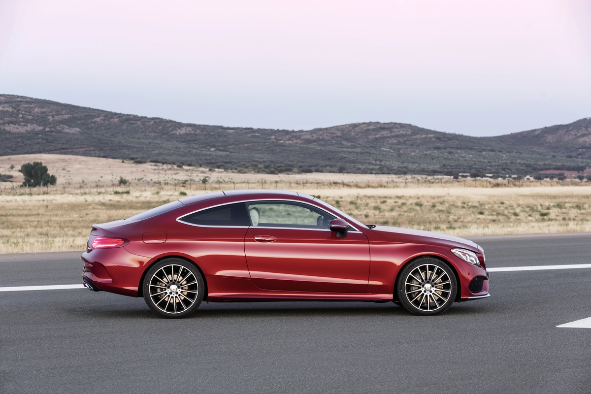 2016 mercedes benz c class coupe officially unveiled for Benz mercedes c class