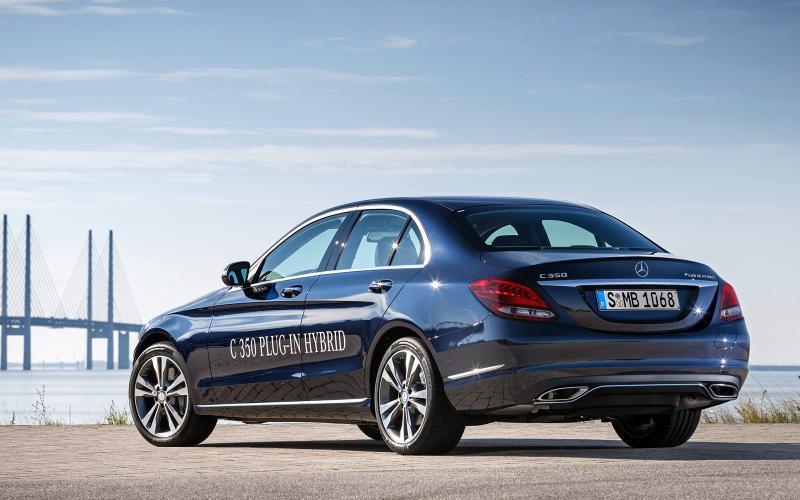 2016 Mercedes Benz C350 Plug In Hybrid C350e Boasts With