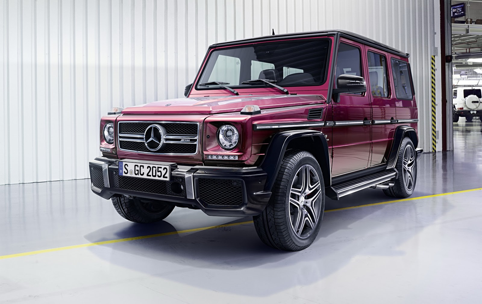 2016 mercedes benz g class facelift brings amg 4l v8 for for Mercedes benz g class amg