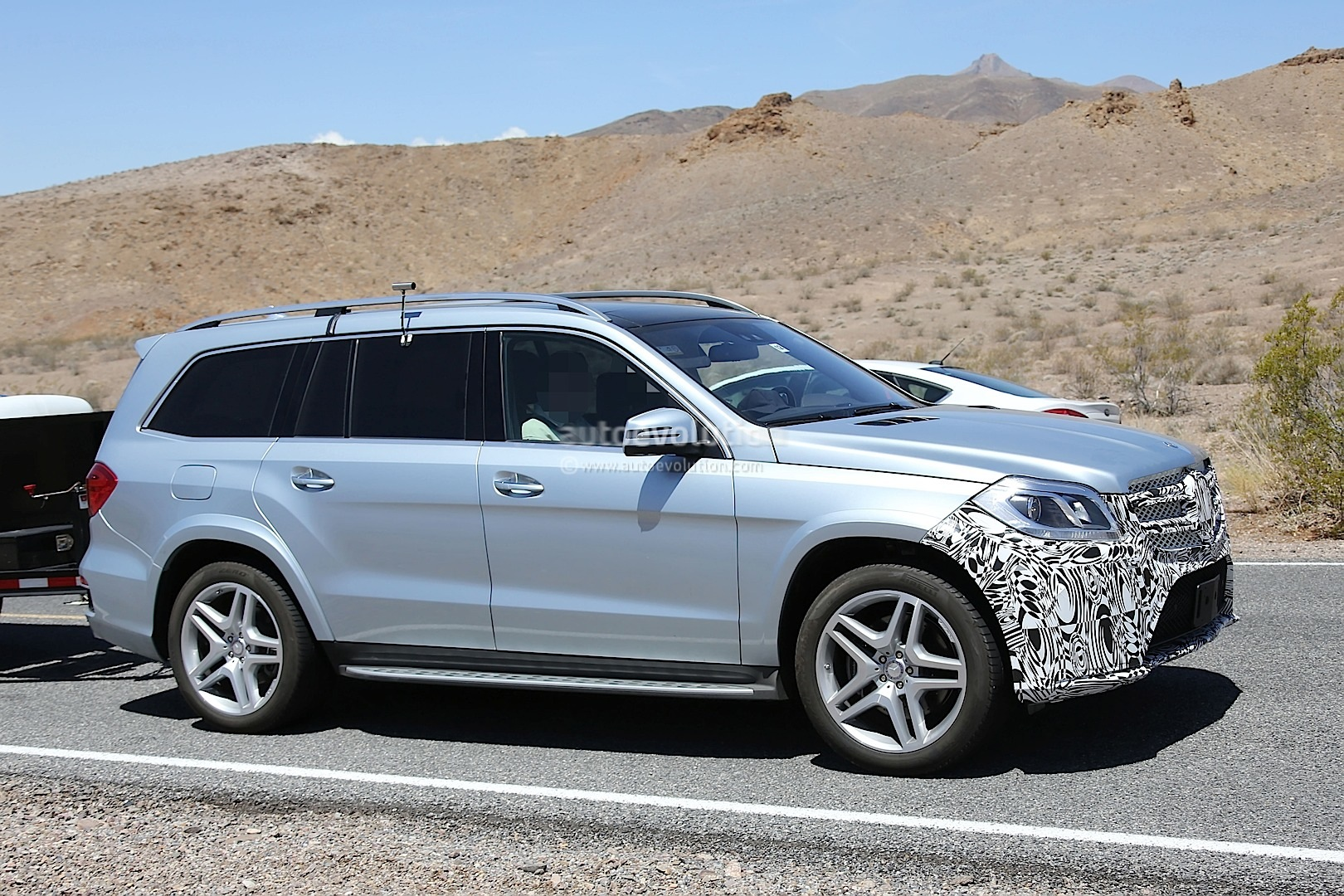2016 mercedes benz gl facelift spied testing in the us autoevolution. Black Bedroom Furniture Sets. Home Design Ideas