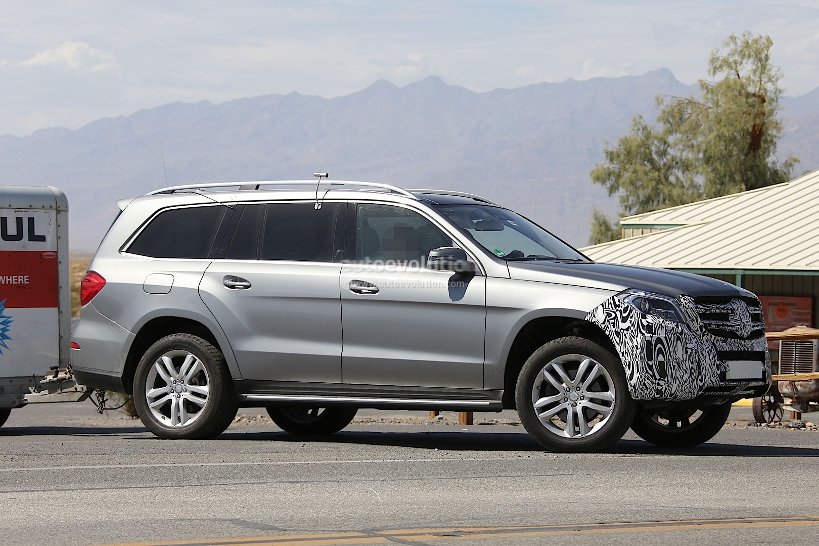 2016 mercedes benz gl facelift spied testing in the us. Black Bedroom Furniture Sets. Home Design Ideas