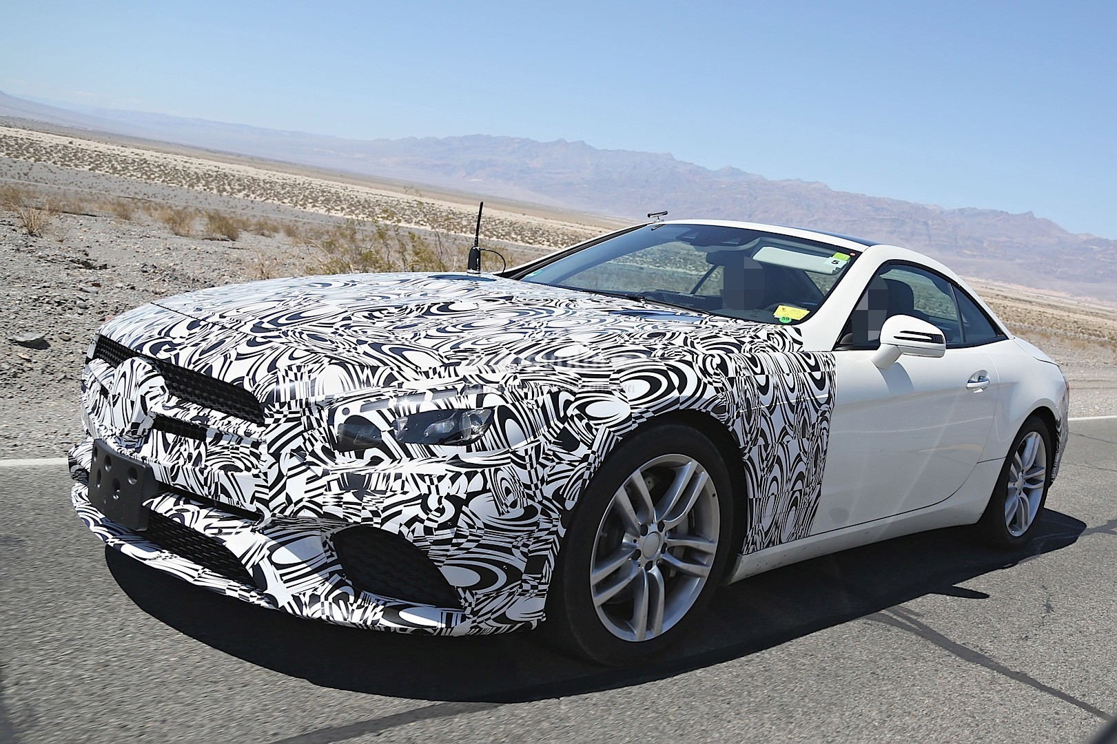 2016 mercedes benz sl facelift spied in the us semi for Mercedes benz us open