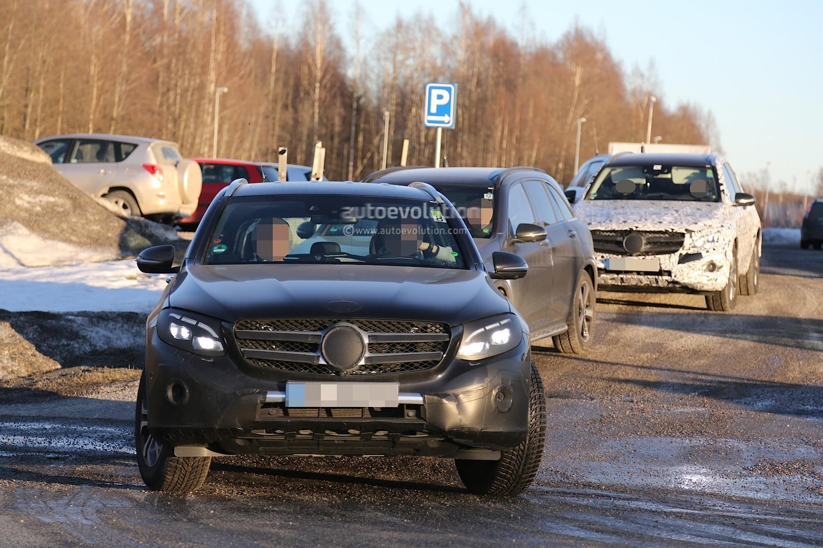 2015 - [Mercedes] GLC (GLK II) [X205] - Page 10 2016-mercedes-glc-spy-photos-show-nearly-undisguised-pre-production-prototypes_21