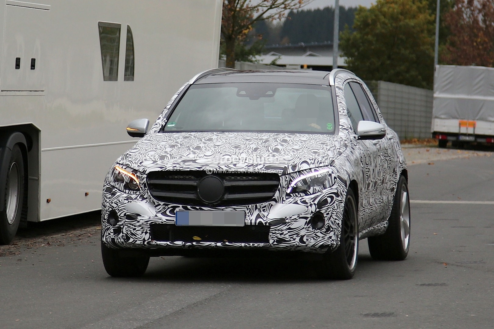 All Types glk amg : Mercedes Planning GLK 63 AMG Using 4-liter Twin-Turbo V8 ...