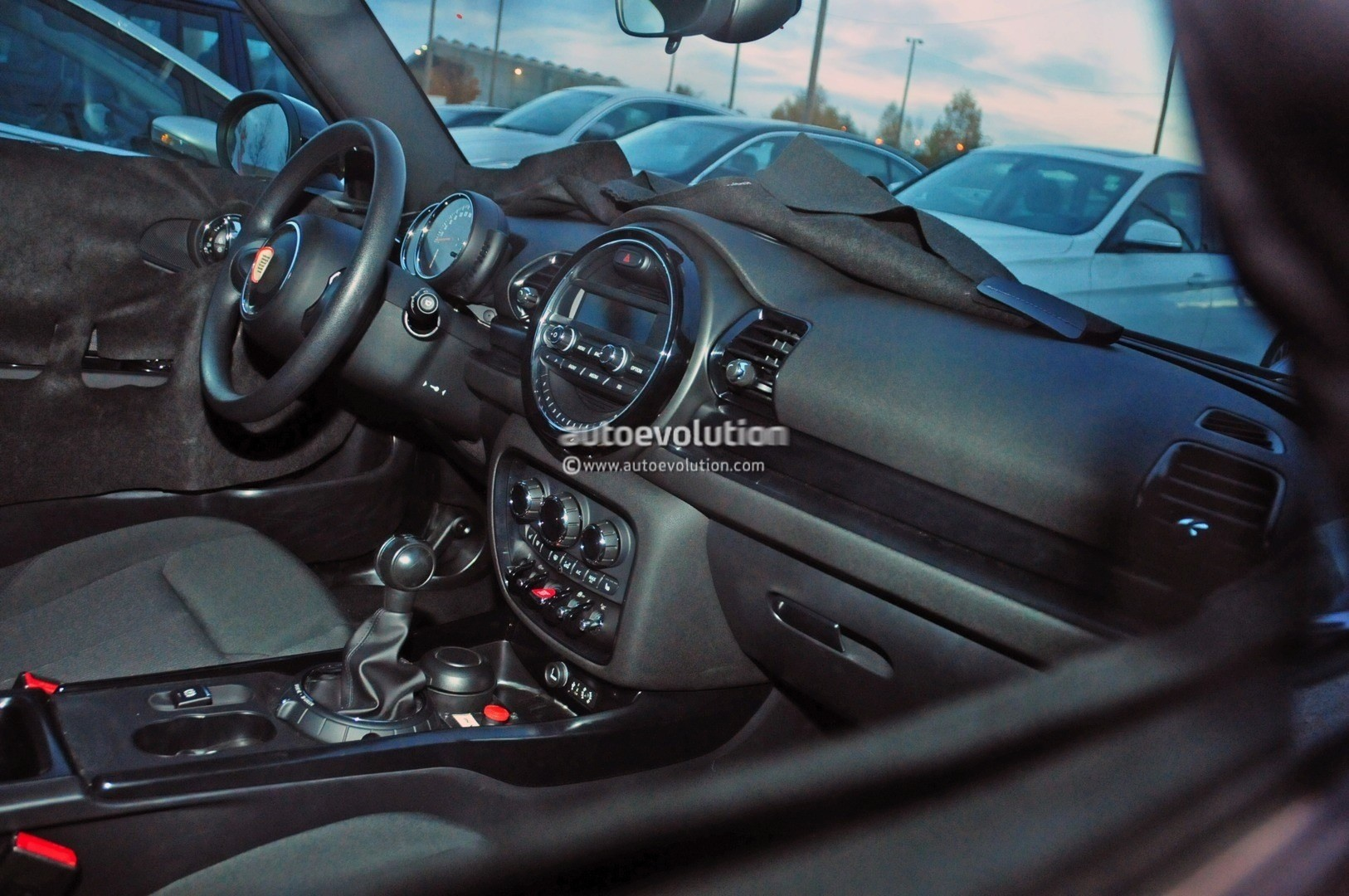 2016 MINI Clubman Spyshots Show New Interior - autoevolution