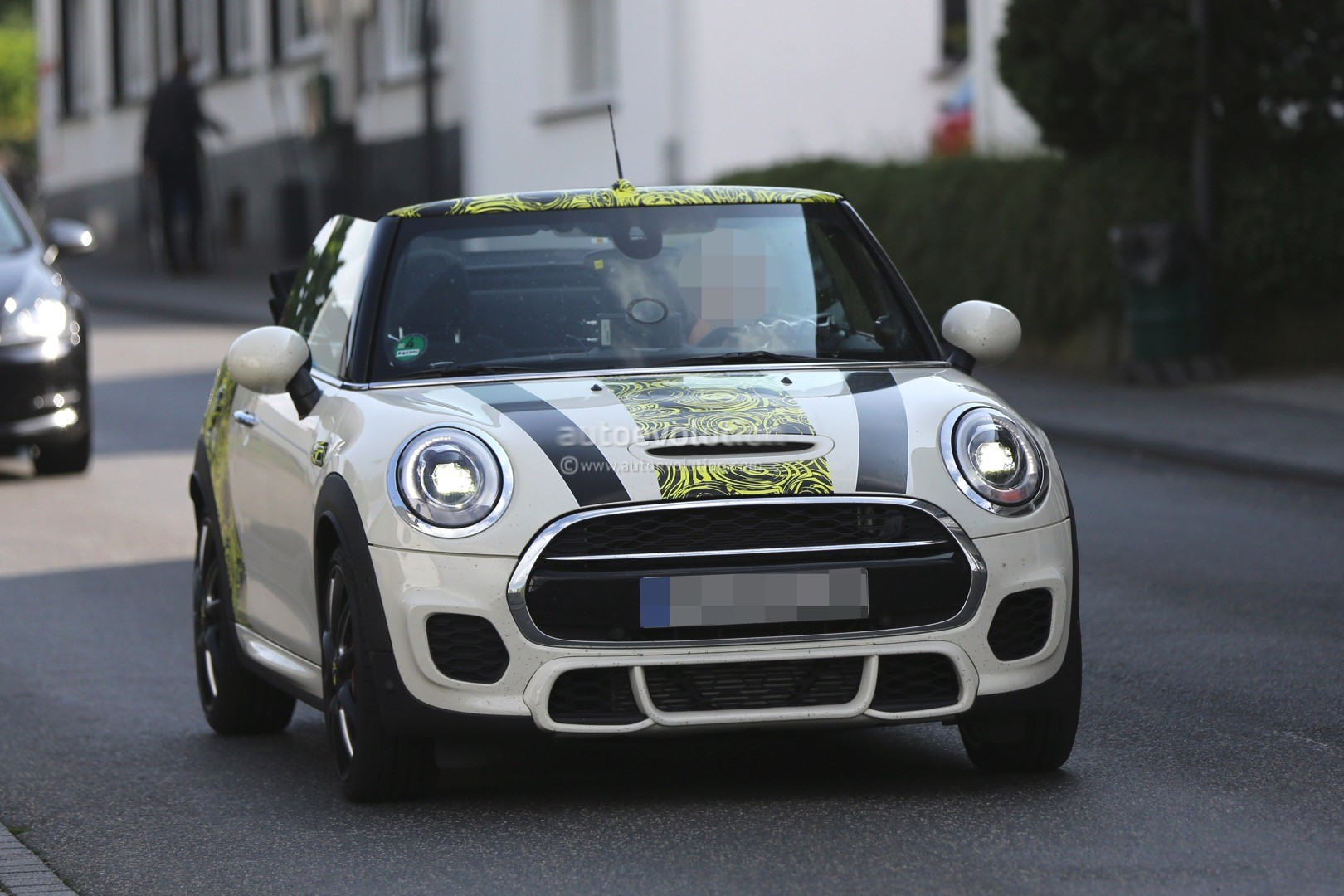 Mini Cooper Tires >> 2016 MINI Cooper S Convertible Spied with the Top Down, Nearly Undisguised - autoevolution