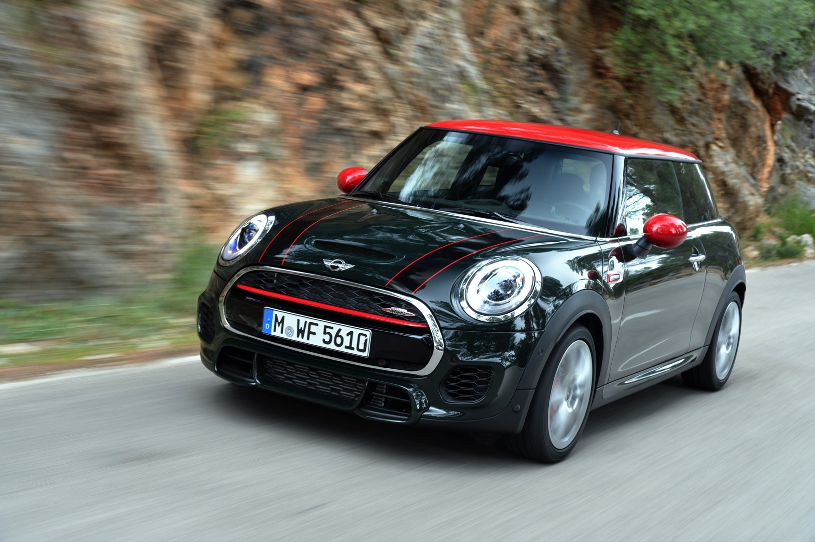 2016 mini jcw gets detailed and first reviews autoevolution. Black Bedroom Furniture Sets. Home Design Ideas