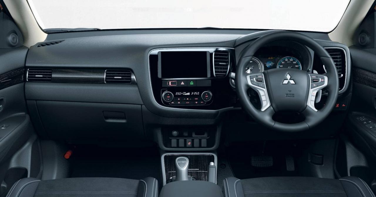 2016 Mitsubishi Outlander PHEV Facelift Debuts in Tokyo - autoevolution
