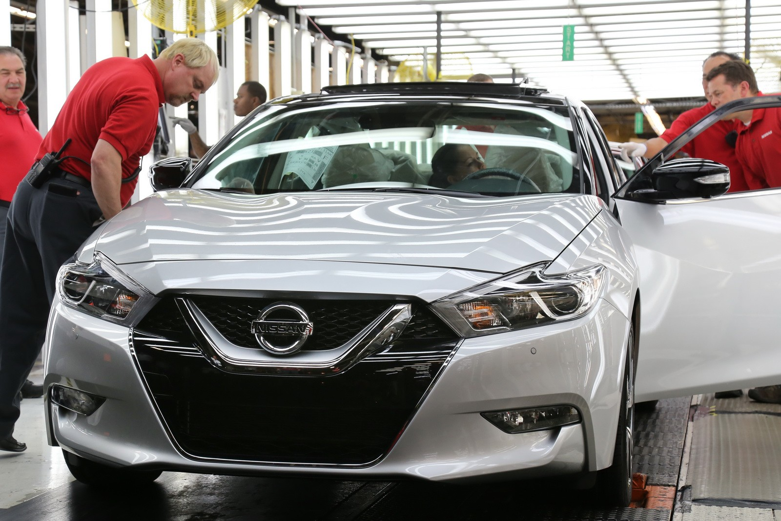 2003 Nissan Altima >> 2016 Nissan Maxima Production Kicks Off In Tennessee - autoevolution