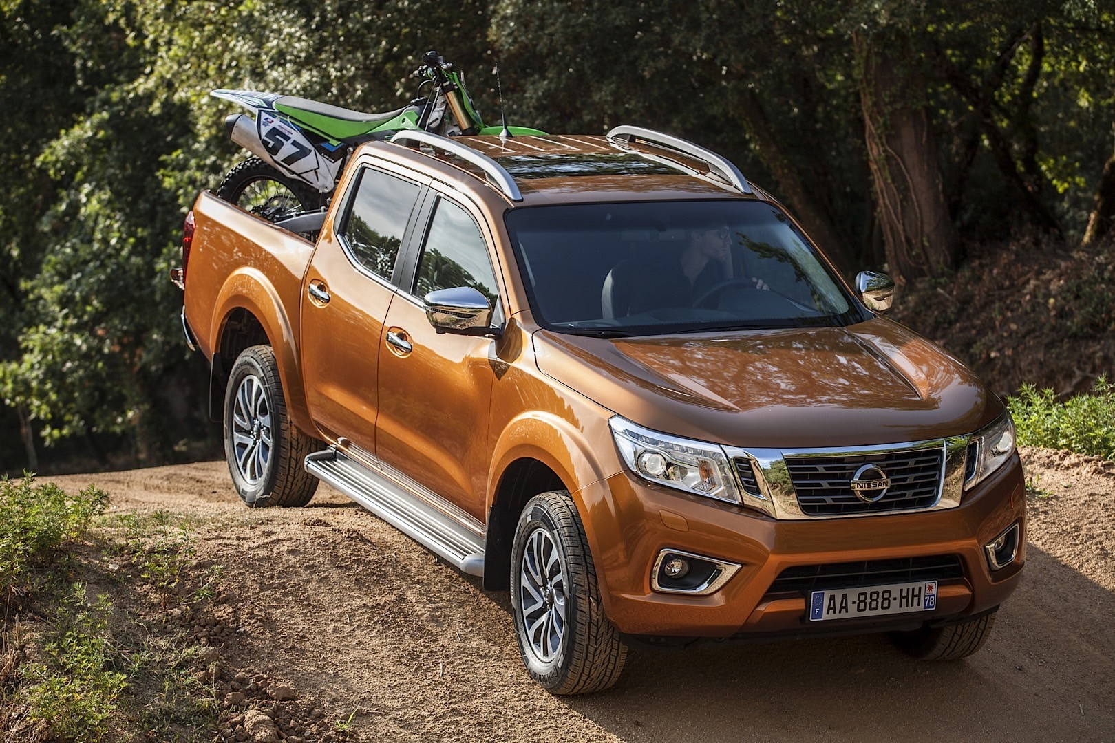 2016 nissan navara np300 unveiled before frankfurt with 2 3 liter diesel mill autoevolution. Black Bedroom Furniture Sets. Home Design Ideas