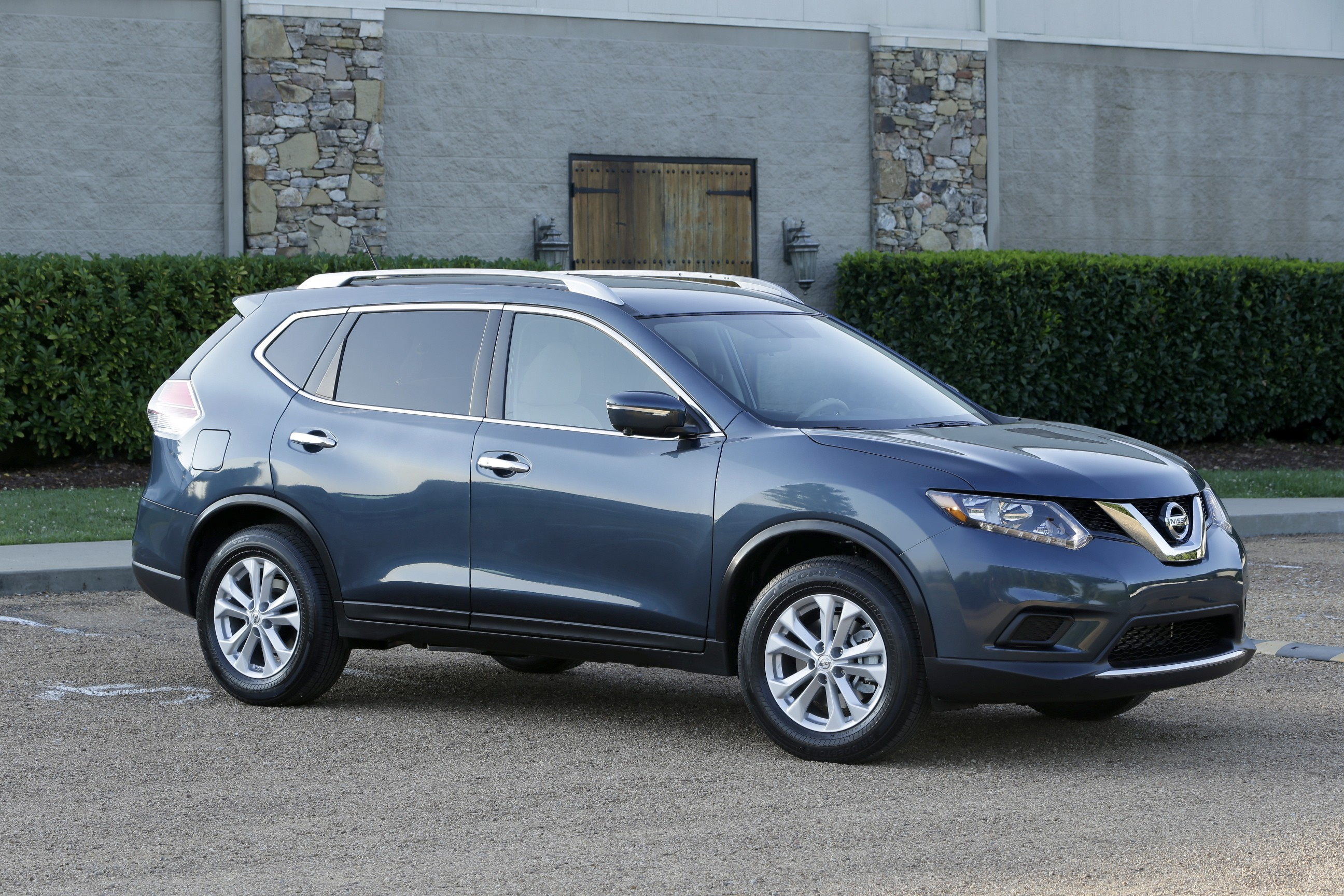 2016 Nissan Rogue is Driven By Added Features and ...