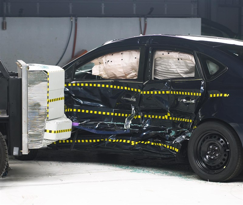2016 Nissan Sentra Earns Top Safety Pick+ from the IIHS ...