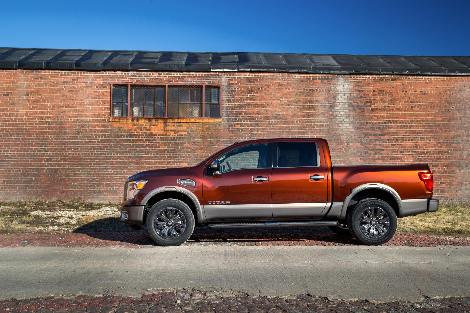 2016 nissan titan xd 5 6 v8 price announced 2017 nissan titan unveiled in ny autoevolution. Black Bedroom Furniture Sets. Home Design Ideas