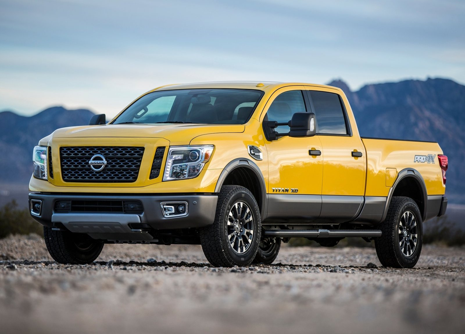 2016 nissan titan xd brings diesel goodness into focus video photo gallery autoevolution. Black Bedroom Furniture Sets. Home Design Ideas