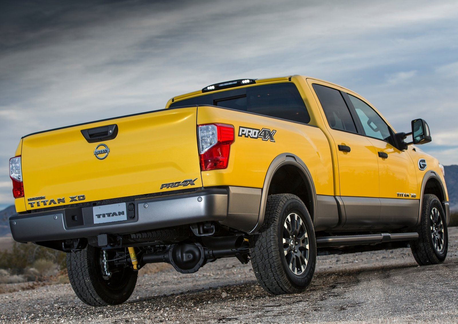 Fantastic 2016 Nissan Titan XD Brings Diesel Goodness Into Focus