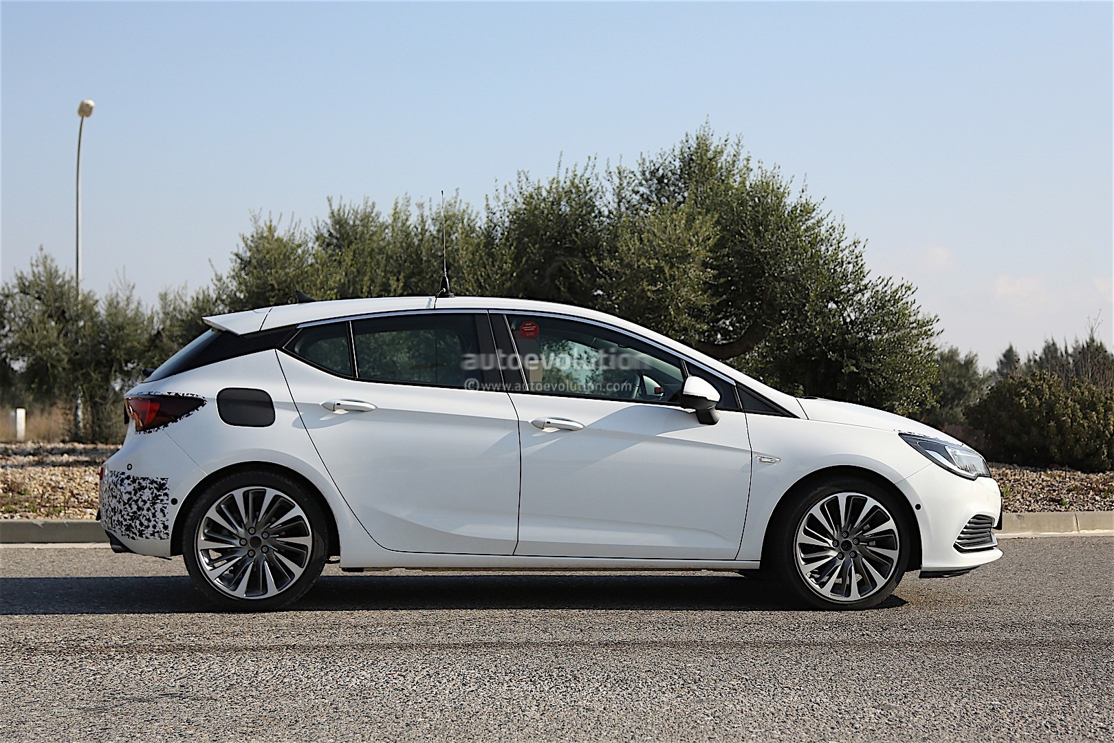2016 opel astra gsi looks ready to take on the vw gti in. Black Bedroom Furniture Sets. Home Design Ideas