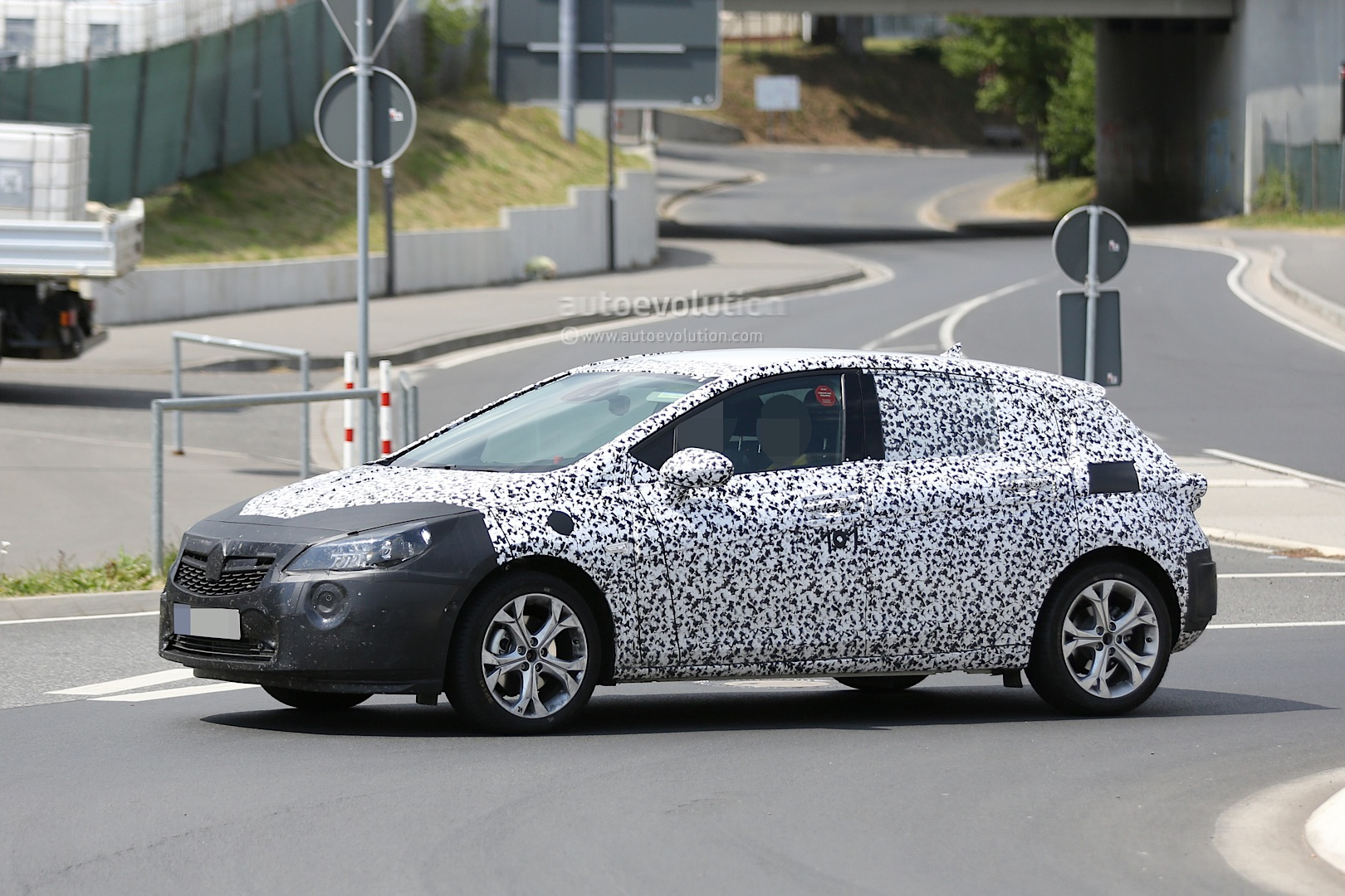 spyshots 2016 opel astra hatch begins nurburgring high. Black Bedroom Furniture Sets. Home Design Ideas