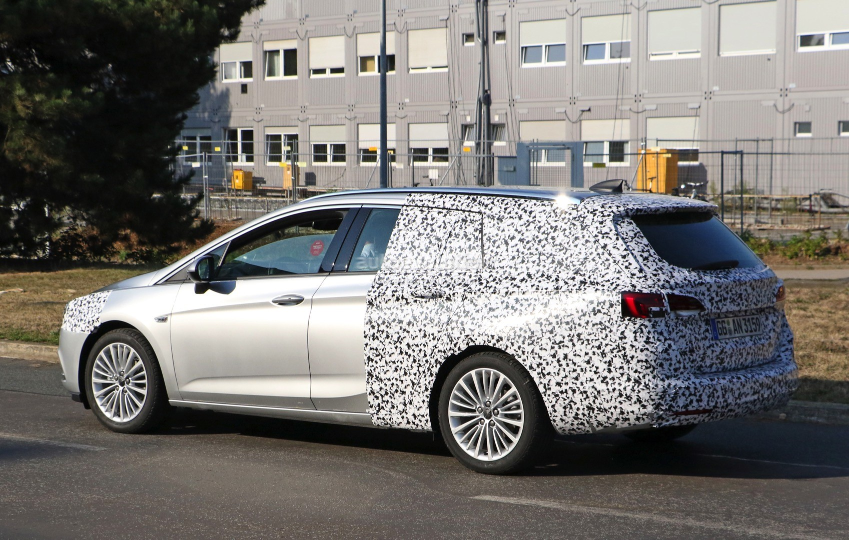 2016 Opel Astra ST Spied Again, We Can Show You How it Will Look Like - autoevolution