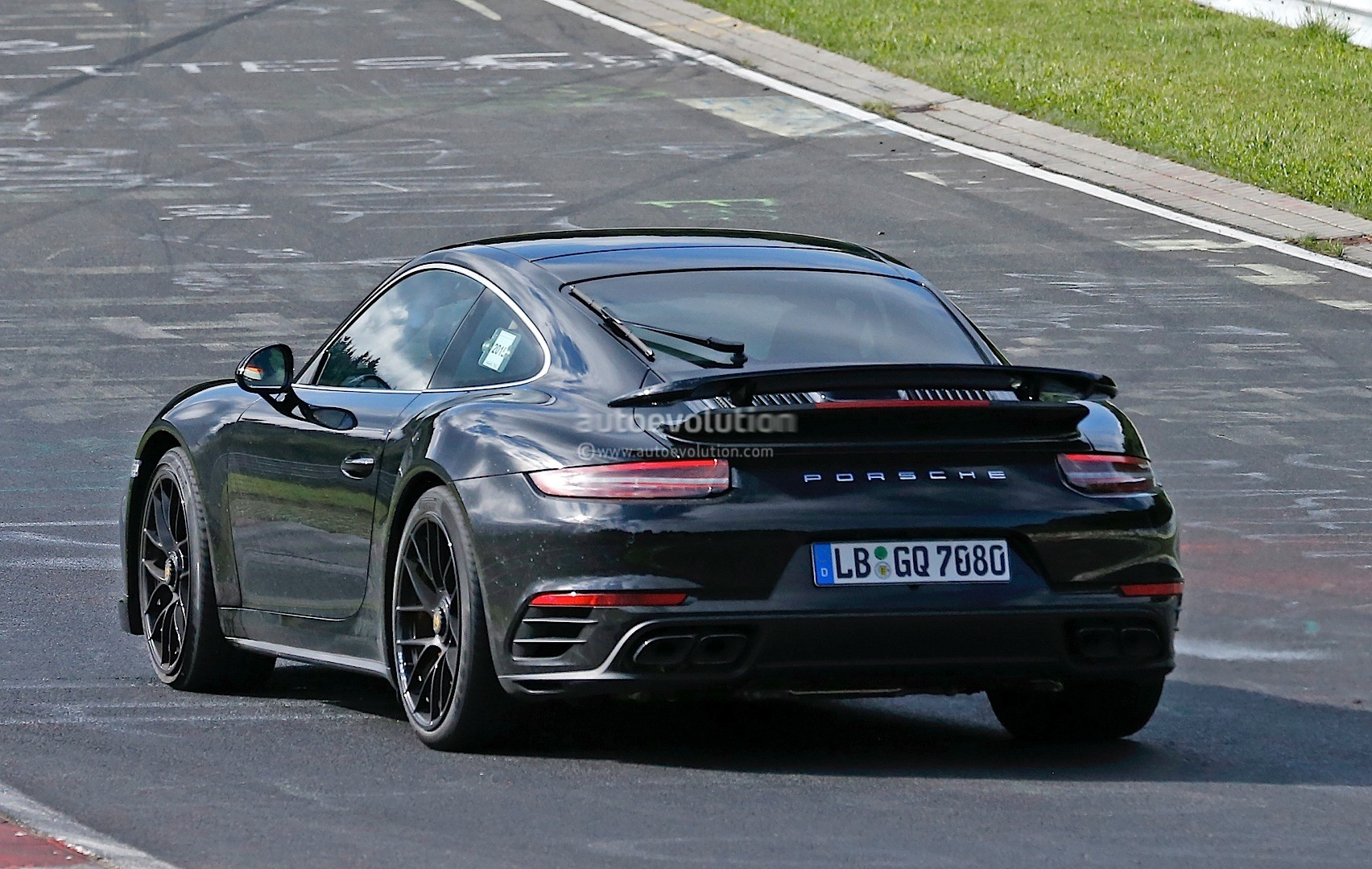 2016 porsche 911 facelift interior revealed in fresh spyshots boost control button new display