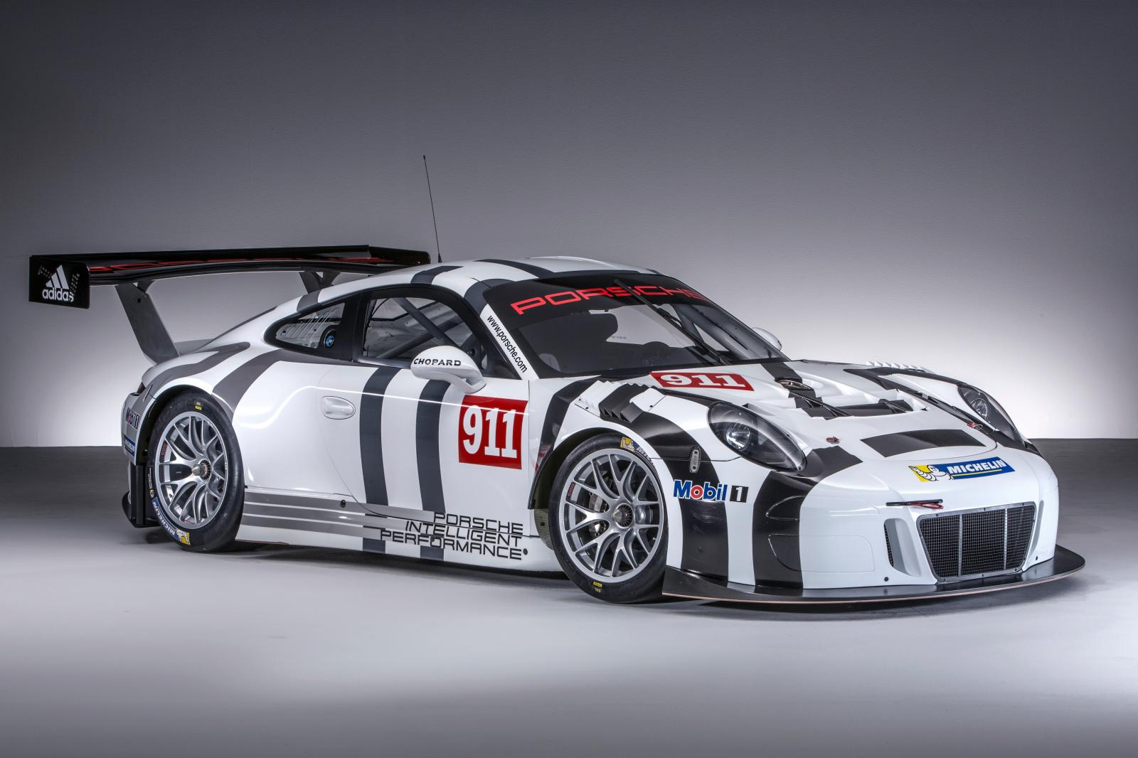 2016 porsche 911 gt3 r is the awesome racing version of the 911 gt3 rs costs half a million. Black Bedroom Furniture Sets. Home Design Ideas