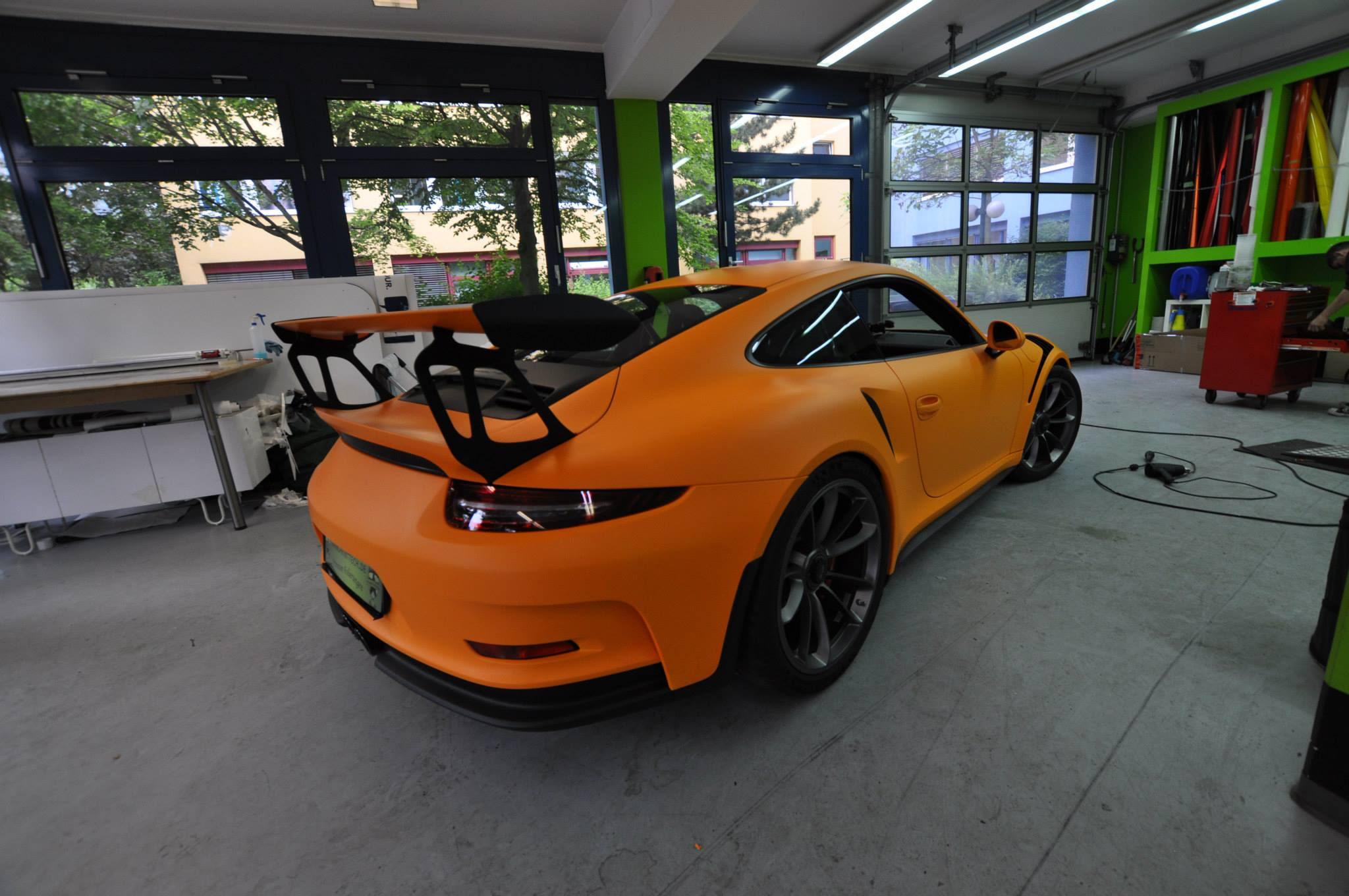 2016 Porsche 911 Gt3 Rs Gets Retro Look With Racing Orange