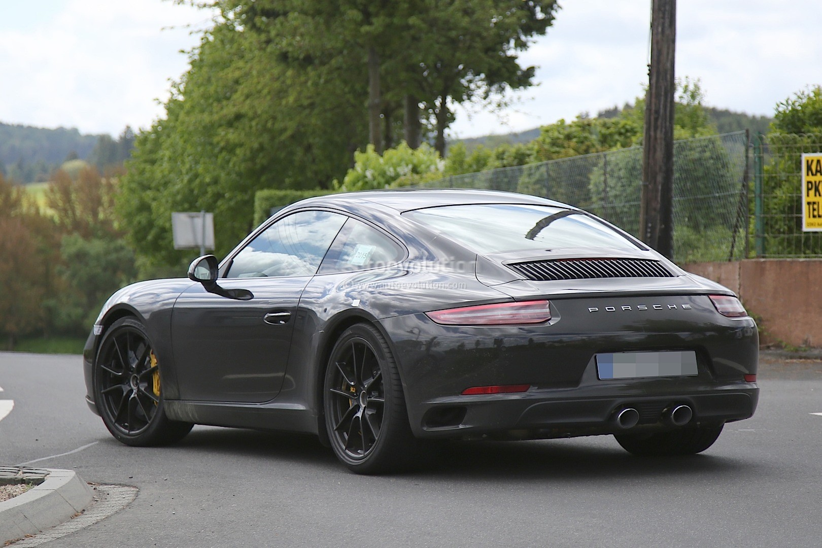 2016 Porsche Panamera Gts >> 2016 Porsche 911 Revealed in Latest Spyshots, Facelift Looks Even More Retro - autoevolution
