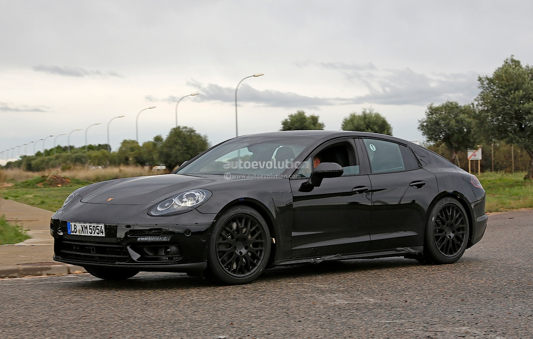 2016 Porsche Panamera Prototype Spied Will Get All New V8