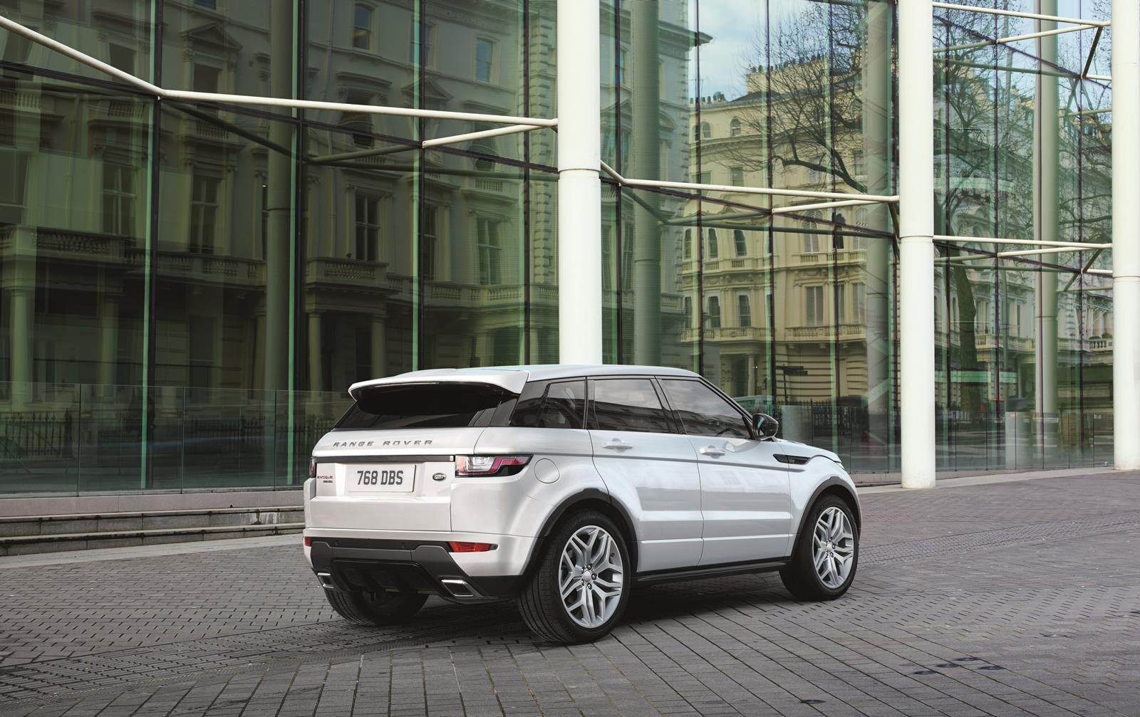 2016 range rover evoque prices start from 30 200 in the uk autoevolution. Black Bedroom Furniture Sets. Home Design Ideas