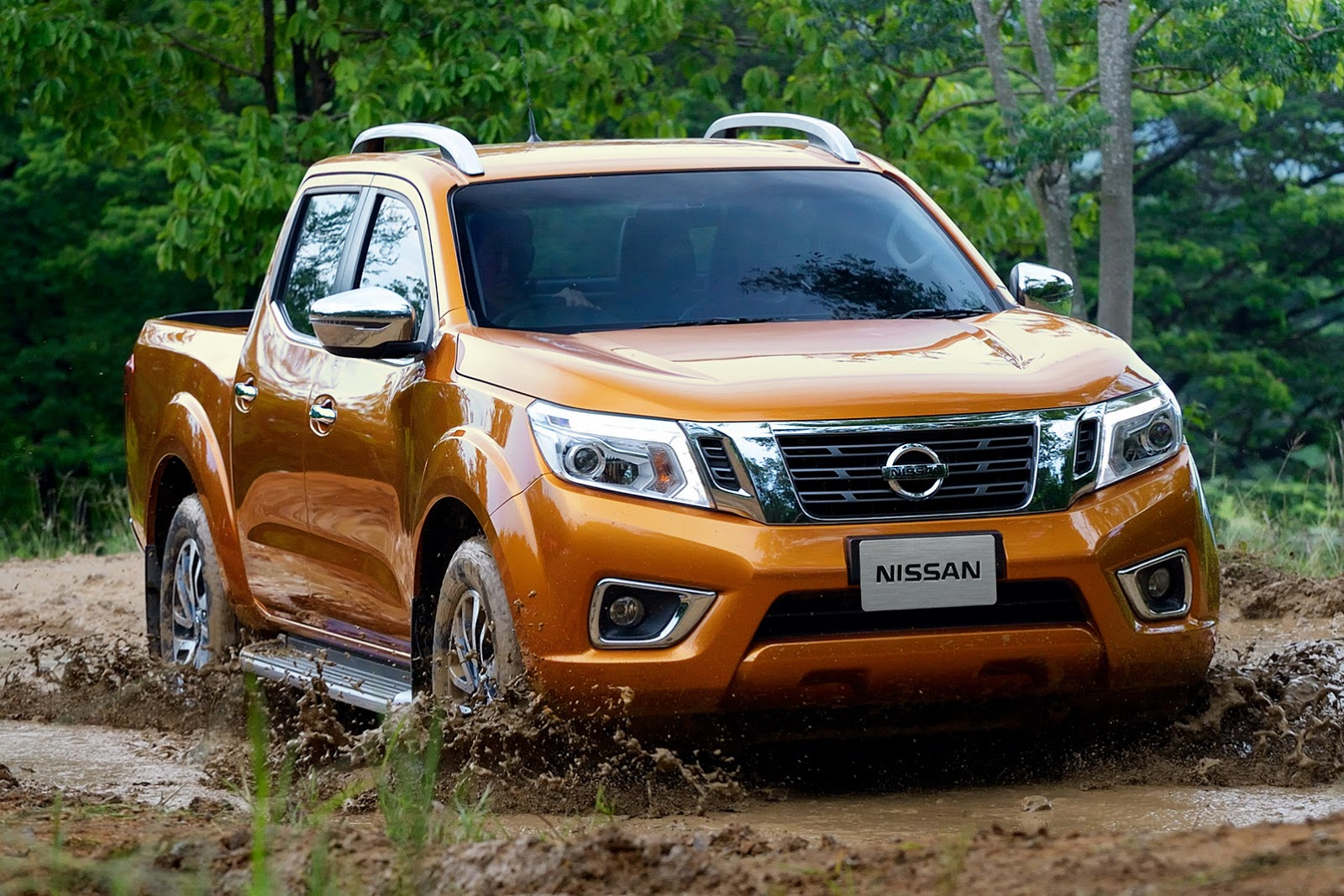 2015 Nissan Navara - photo gallery