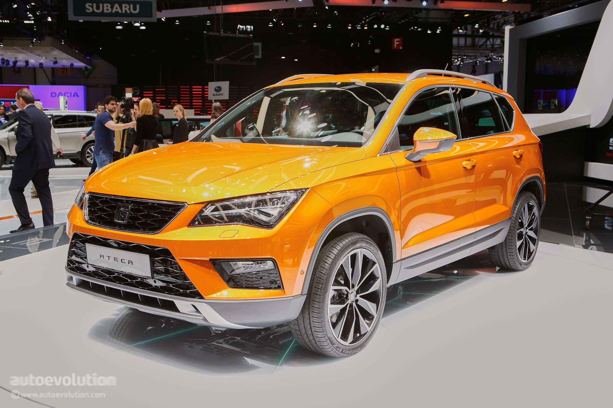 2016 seat ateca suv makes official debut at geneva. Black Bedroom Furniture Sets. Home Design Ideas